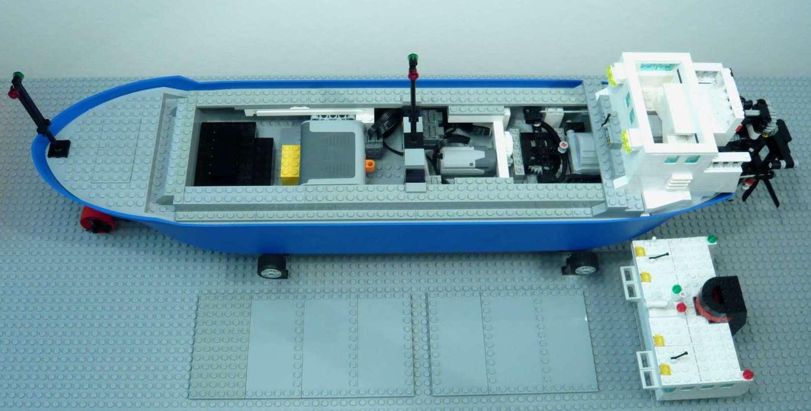 1c_lego_containership.jpg