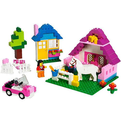 Lego Toys For Girls : Twoloosebricks featuring freddie the brick butcher