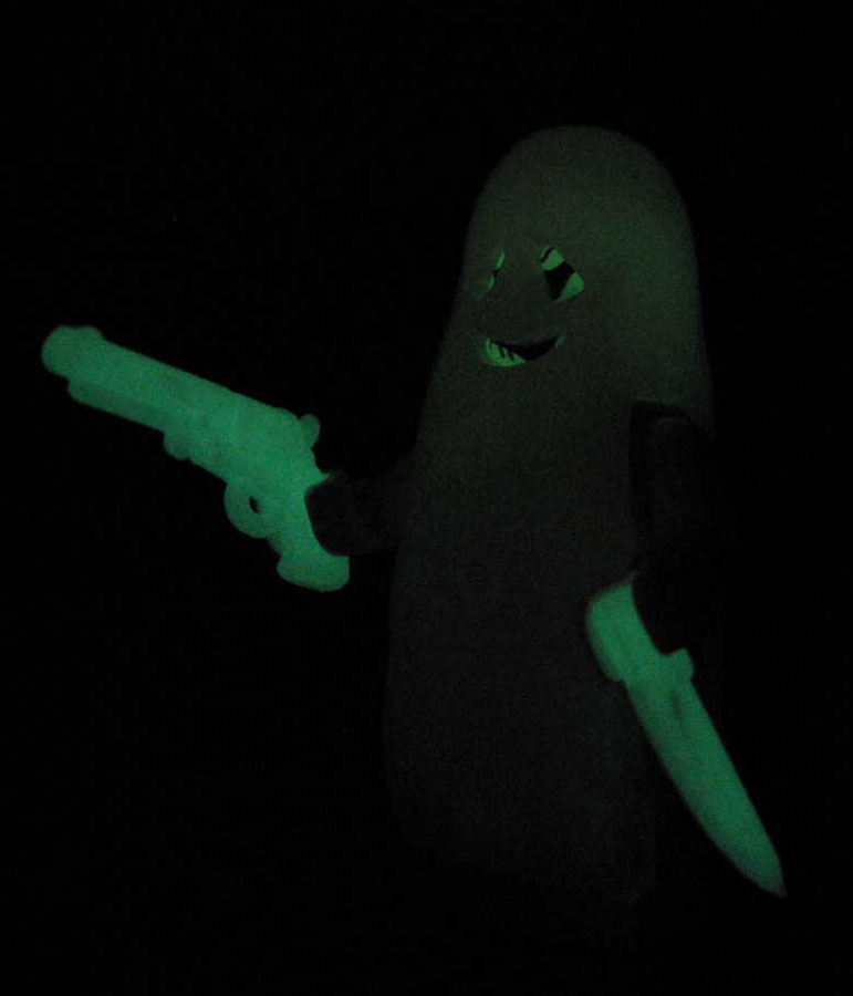brickarms_glow_in_the_dark.jpg