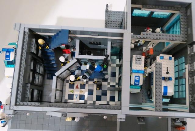 [Moc] Police Headquarters - LEGO Town - Eurobricks Forums