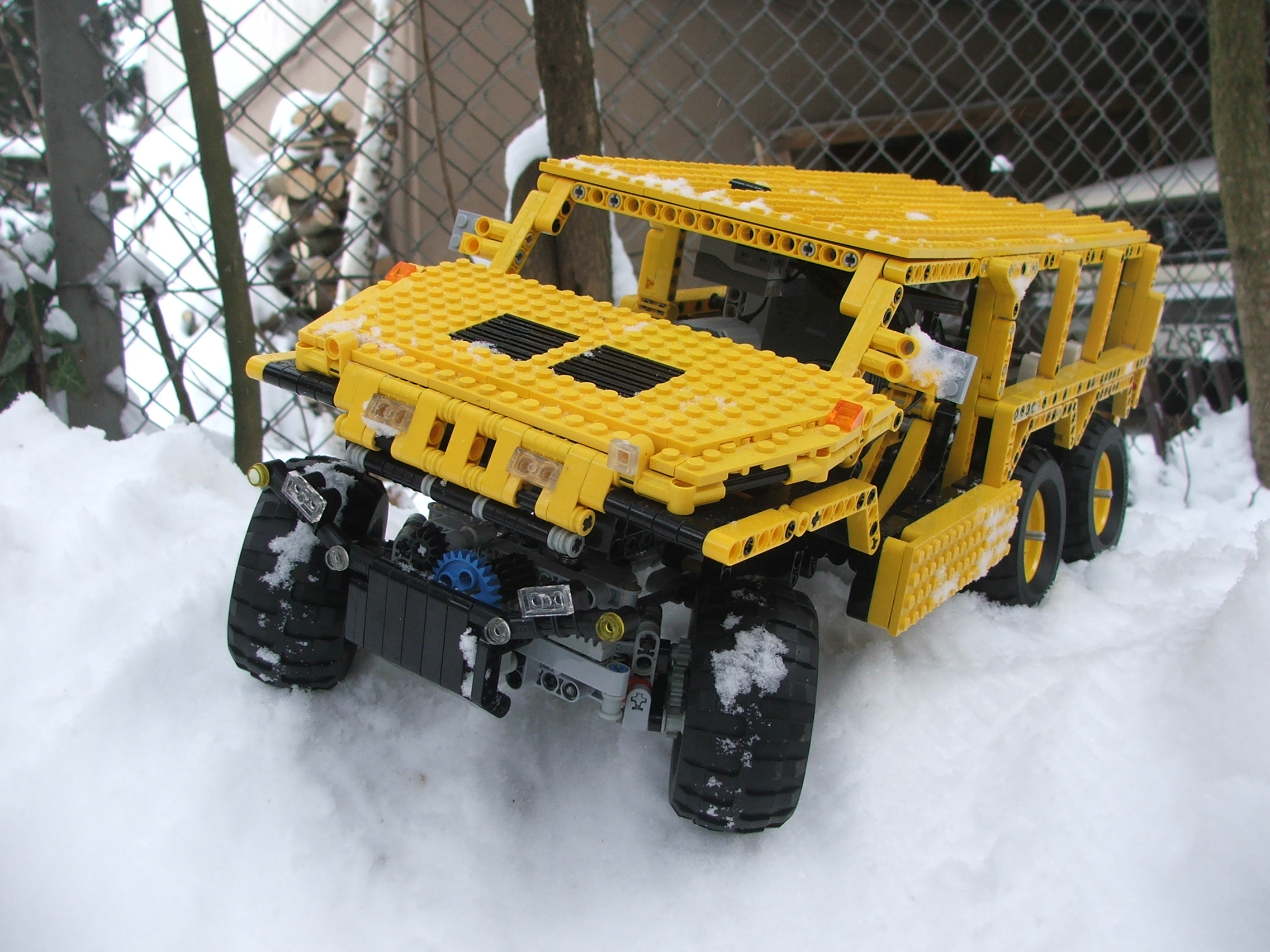 the_hungarian_lego_hummer_002.jpg