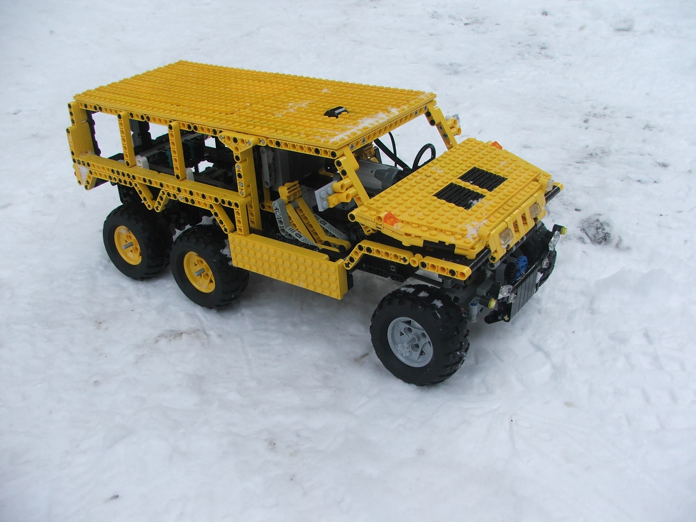 the_hungarian_lego_hummer_006.jpg