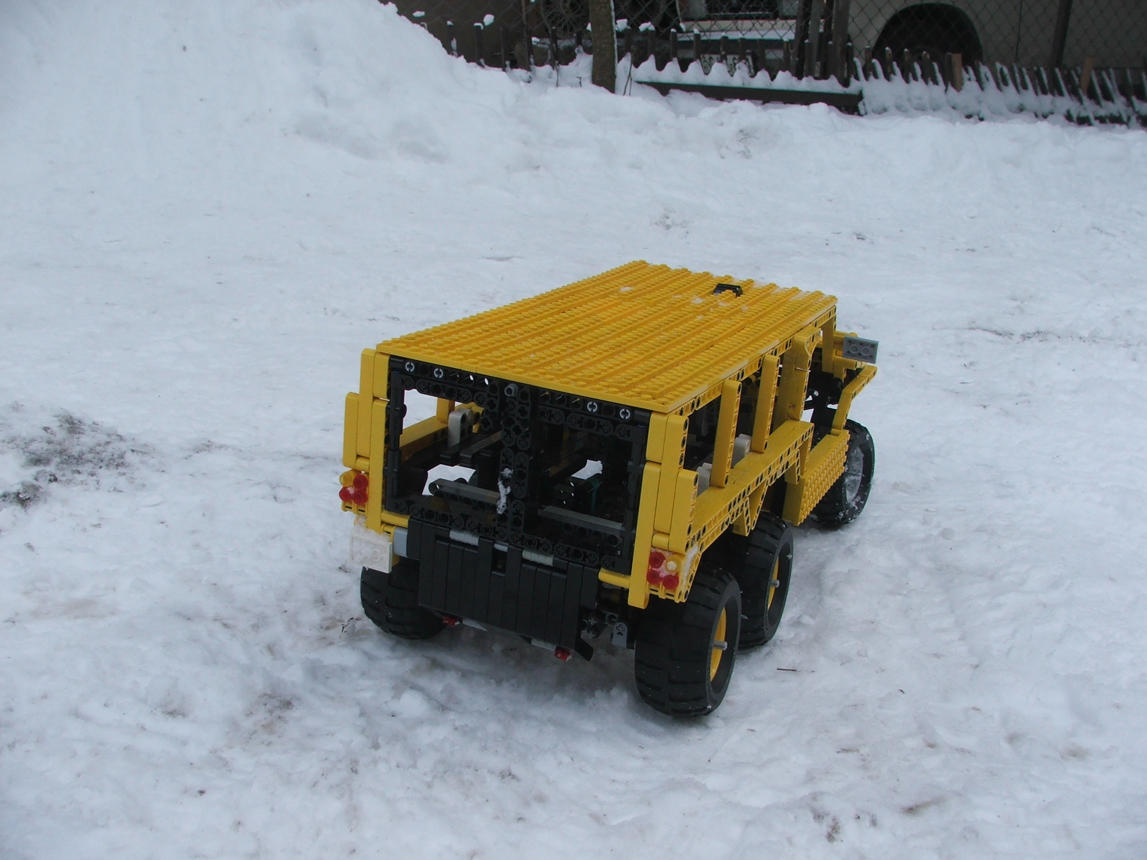 the_hungarian_lego_hummer_010.jpg