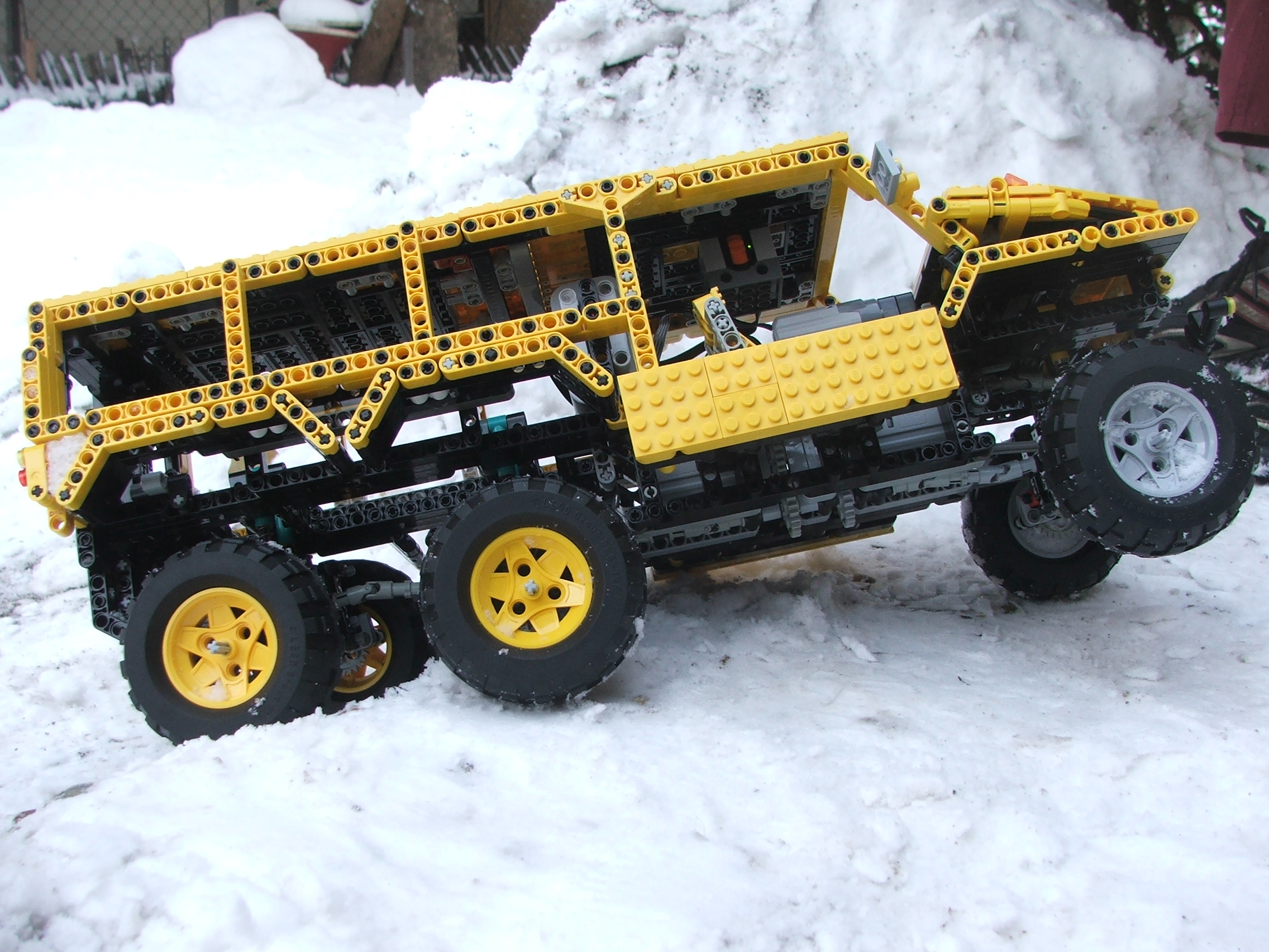 the_hungarian_lego_hummer_016.jpg