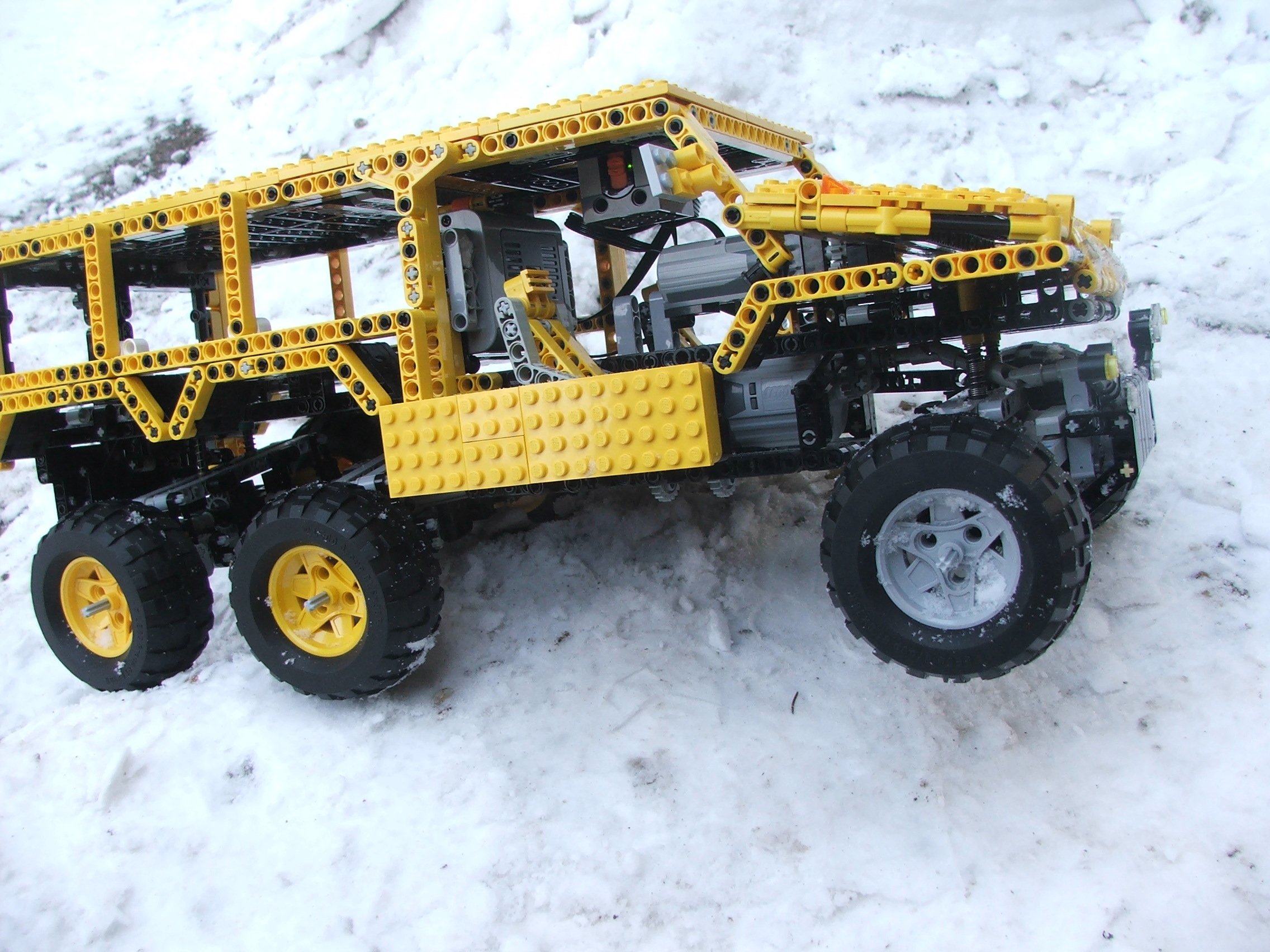 the_hungarian_lego_hummer_021.jpg