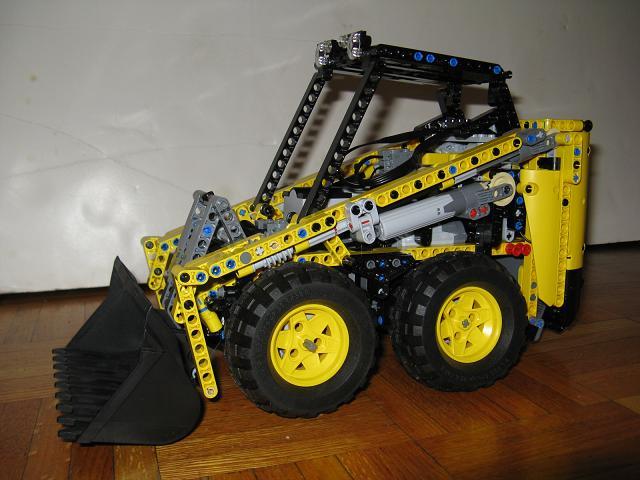 Lego Technic Bobcat >> Large Scale Bobcat PF - LEGO Technic, Mindstorms & Model Team - Eurobricks Forums