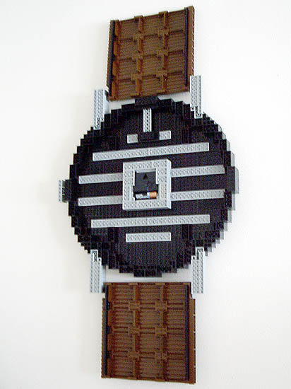 lego-wall-clock-watch-07.jpg