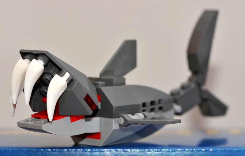 8078-bag1-shark.jpg