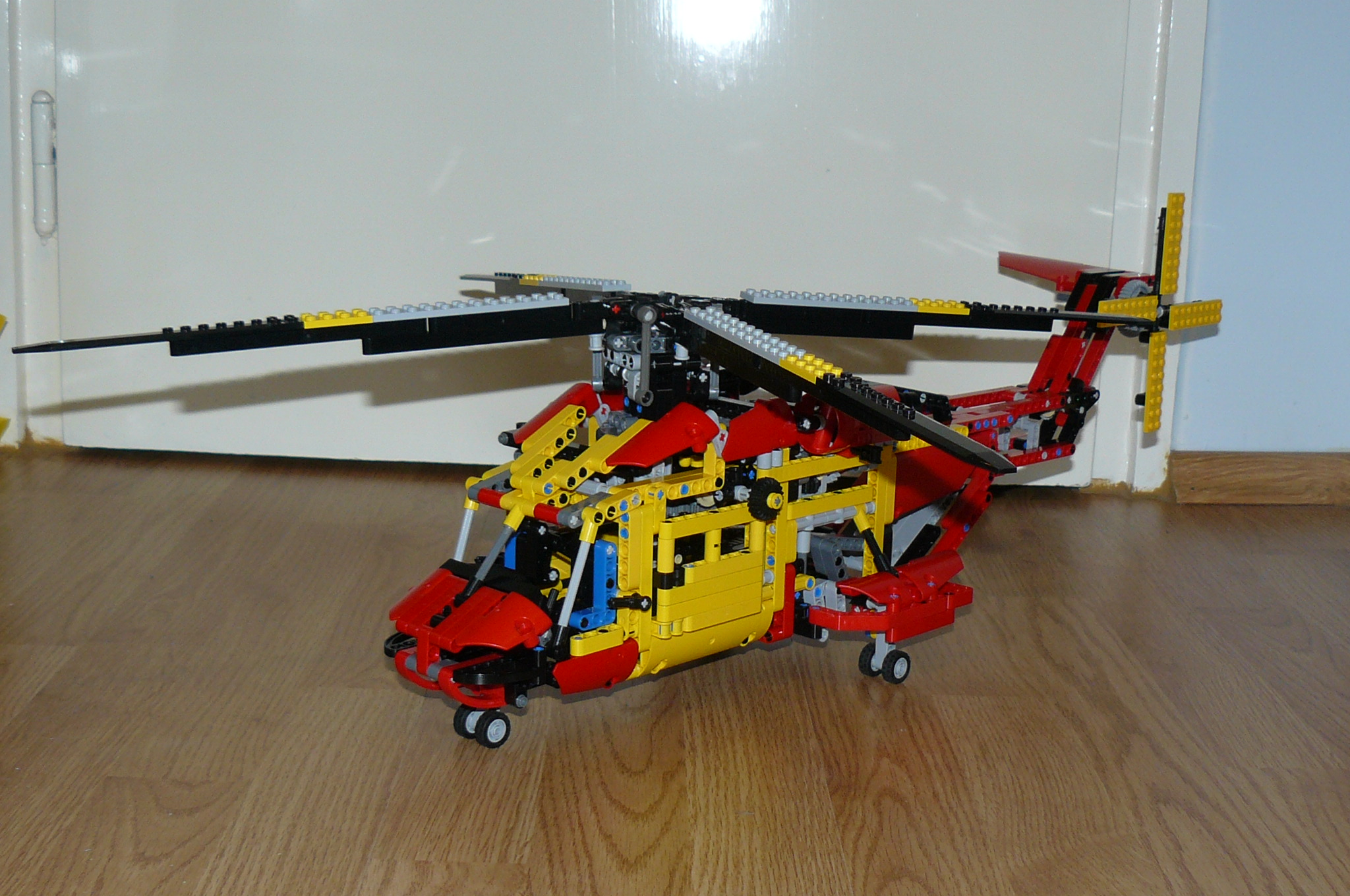 my 9396 helicopter replica by dokludi lego technic and model team eurobricks forums. Black Bedroom Furniture Sets. Home Design Ideas