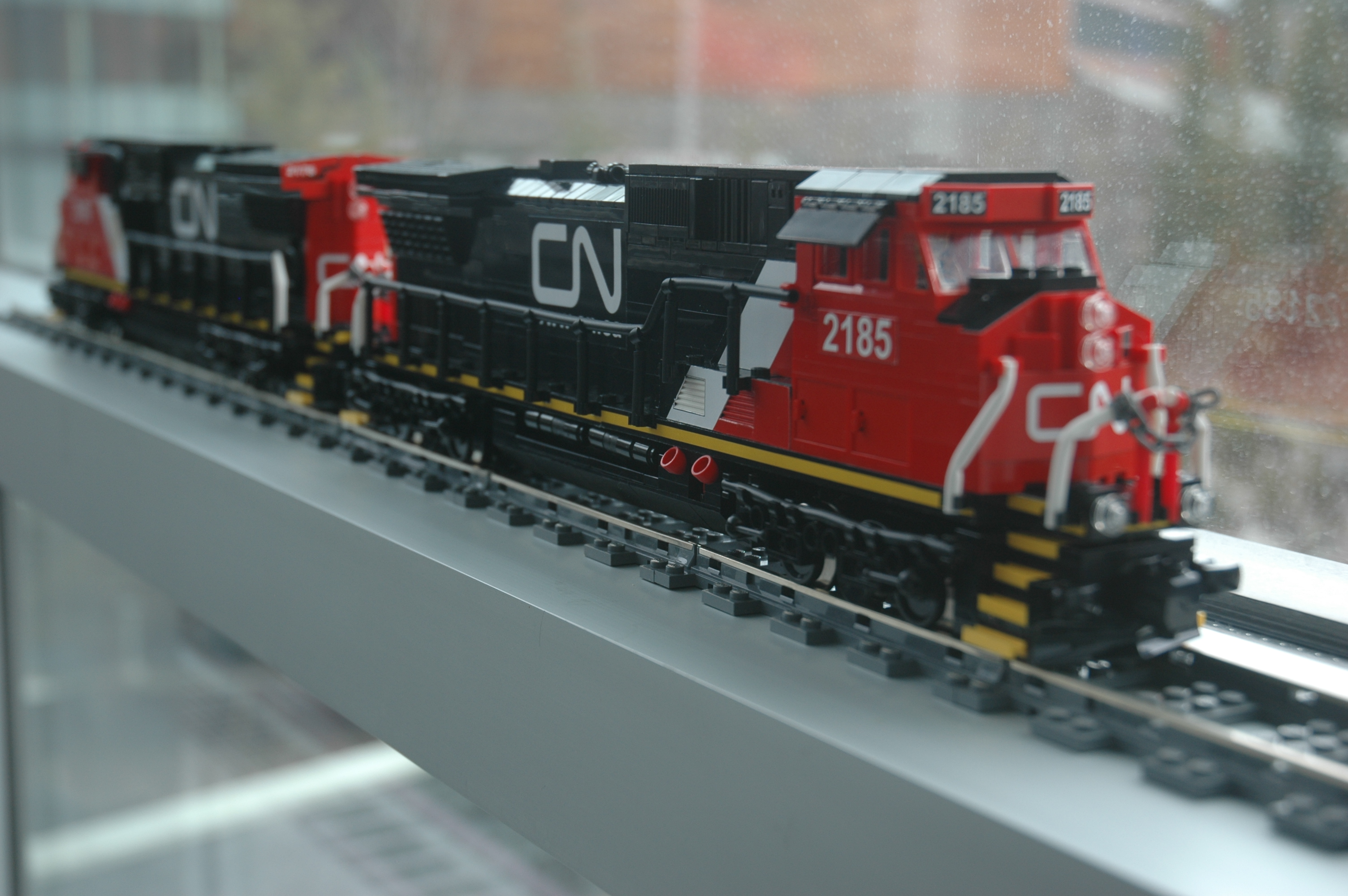 lego_cn_freight_engine_c40-8w_dash_8_main.jpg