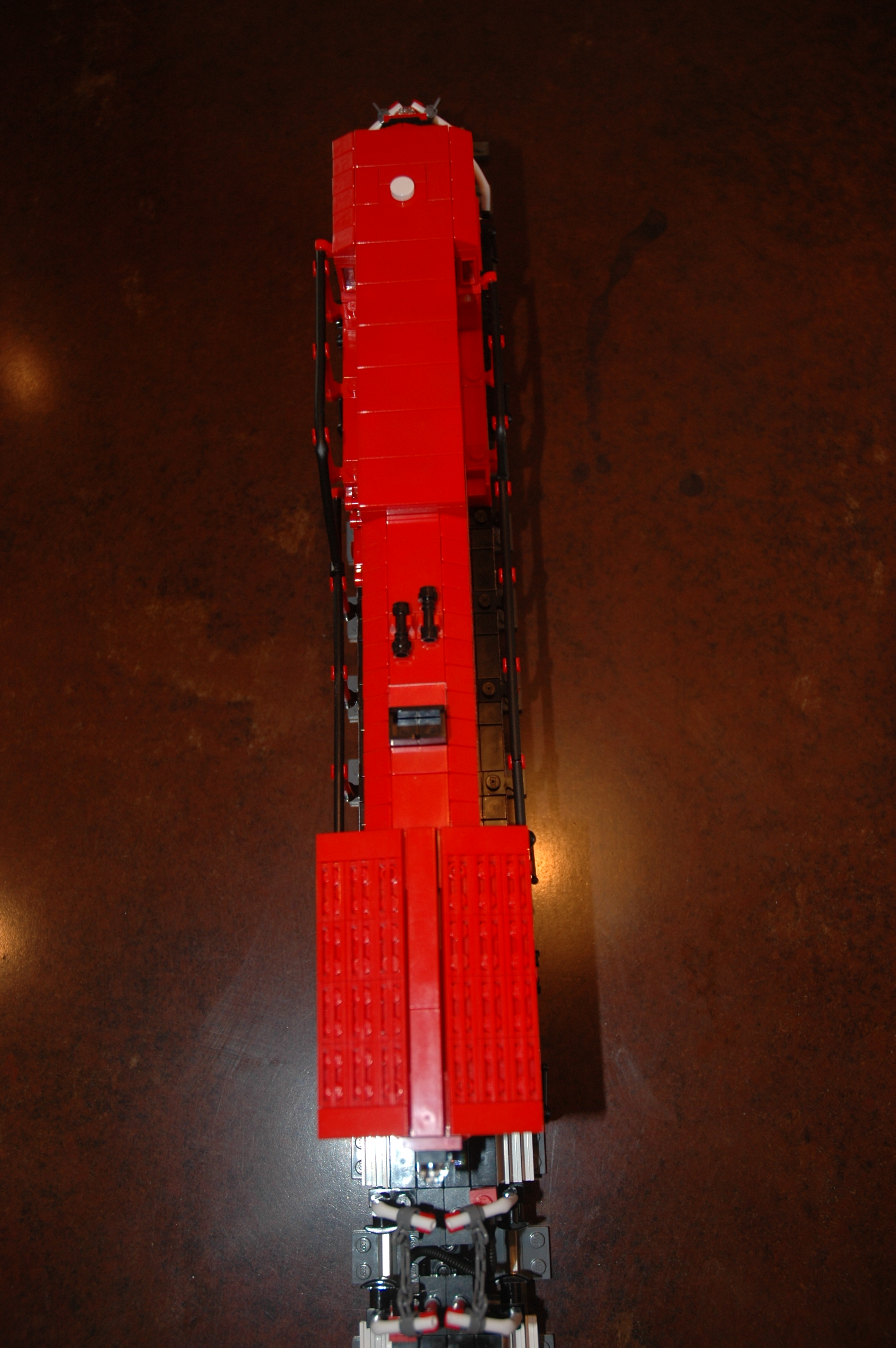 lego_cp_freight_engine_ac4400cw_top.jpg