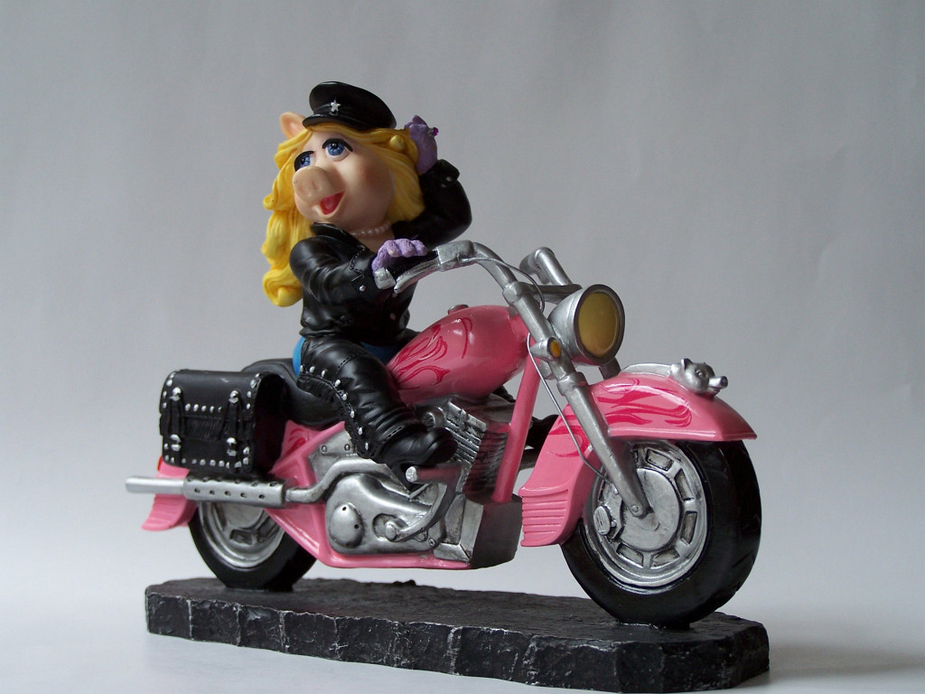 miss-piggy-progress-002-figurine.jpg