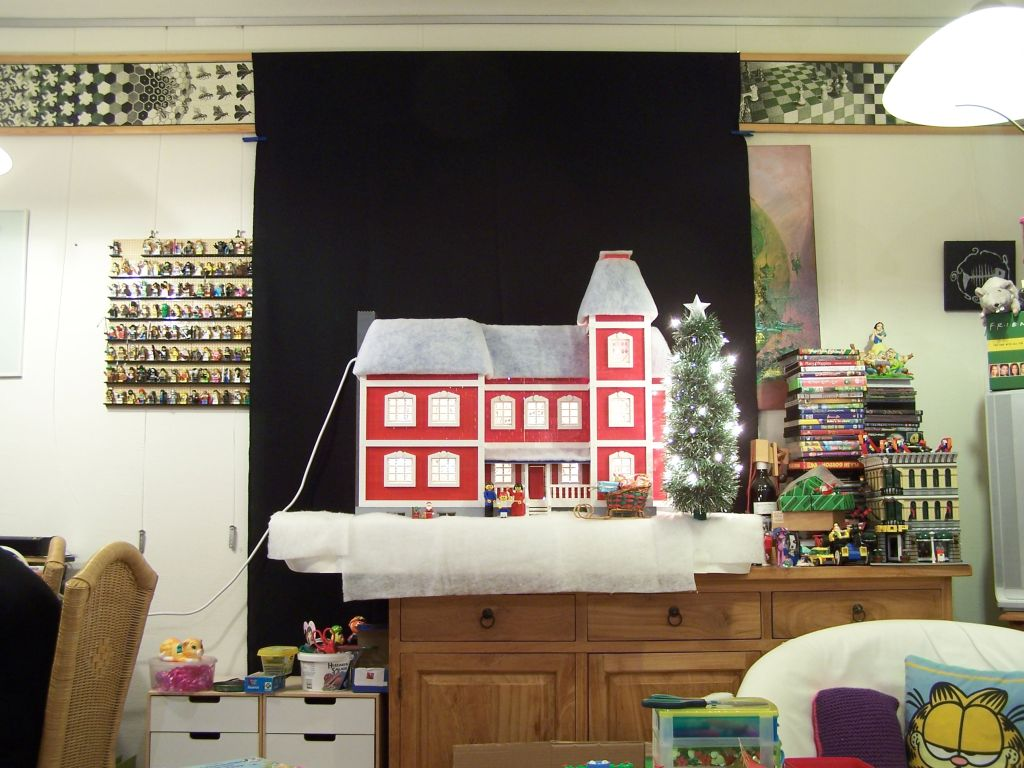 maxifig-dollhouse-x-mas-08_what_it_really_looks_like.jpg