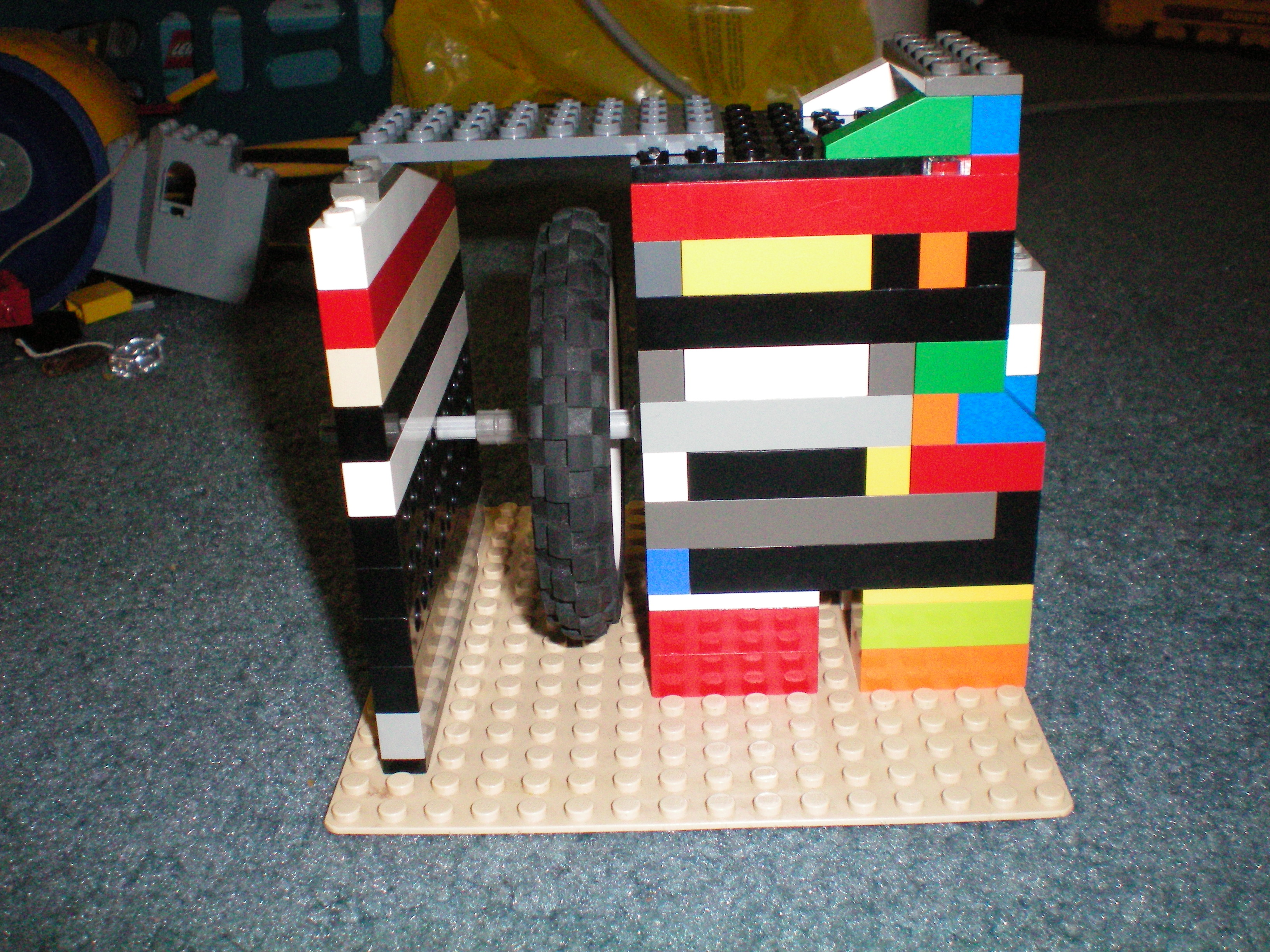 lego_vacuum_engine_v4.0_side_view_2.jpg