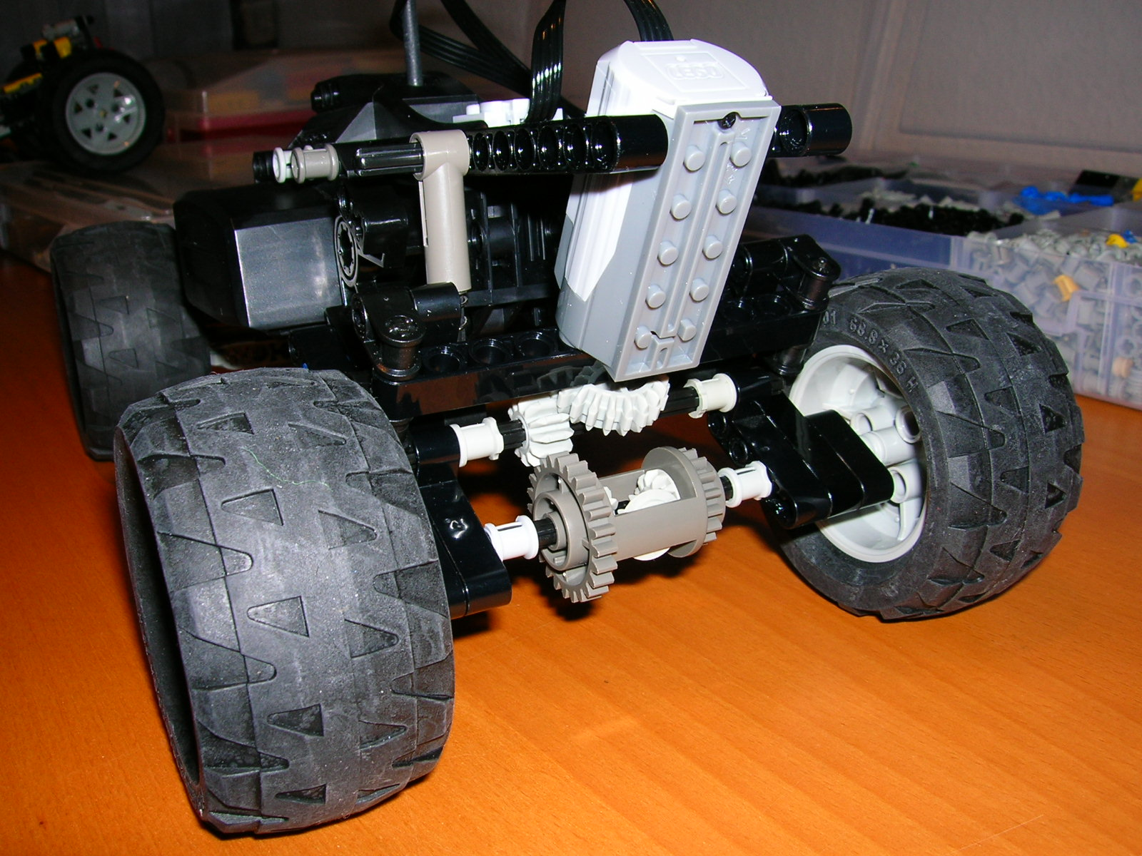 4404rc-chassis1.jpg