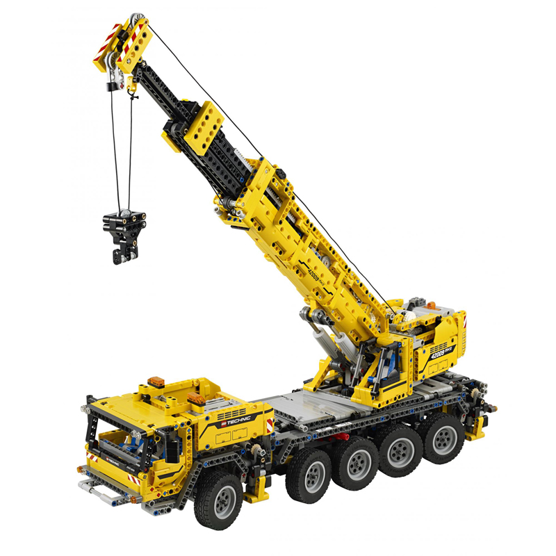 LEGO TECHNIC 2013 set crane