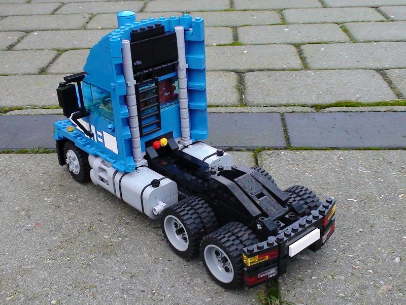 2truck_rear.jpg