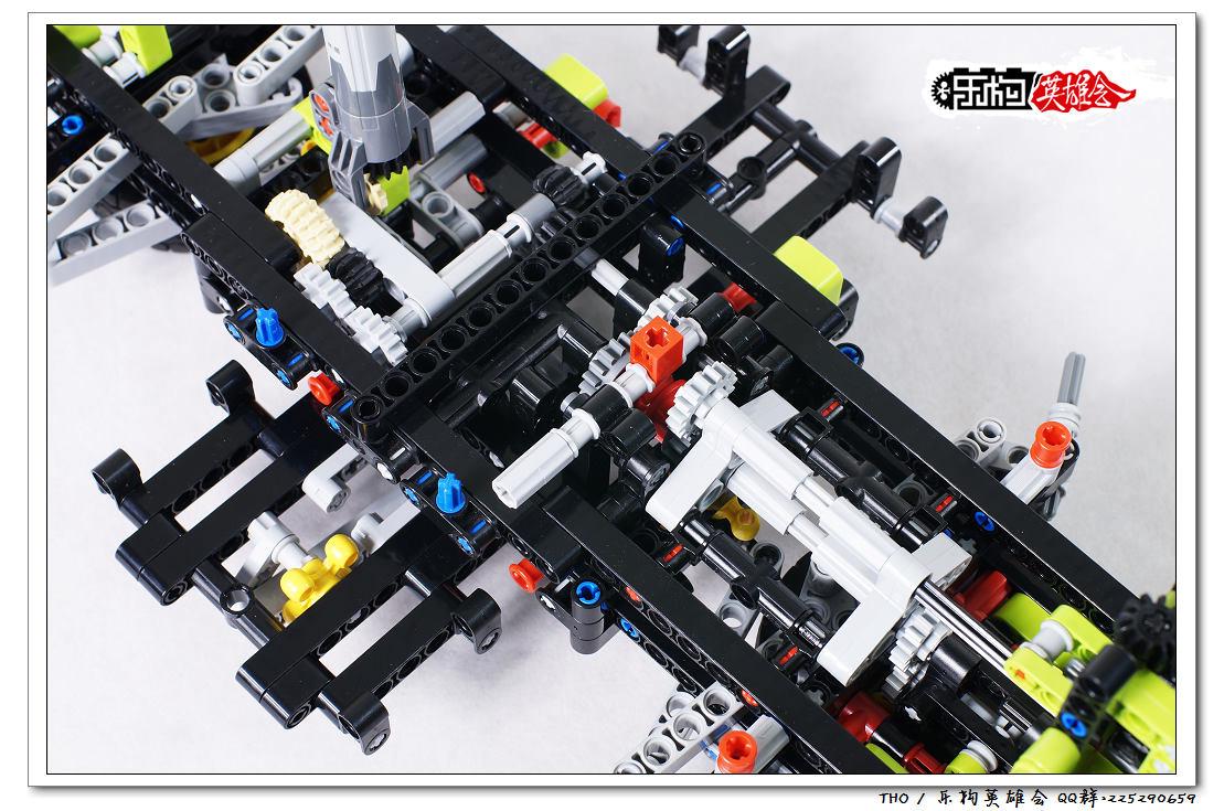 这个换挡结构主要是控制吊臂的升降和前叉子的伸缩