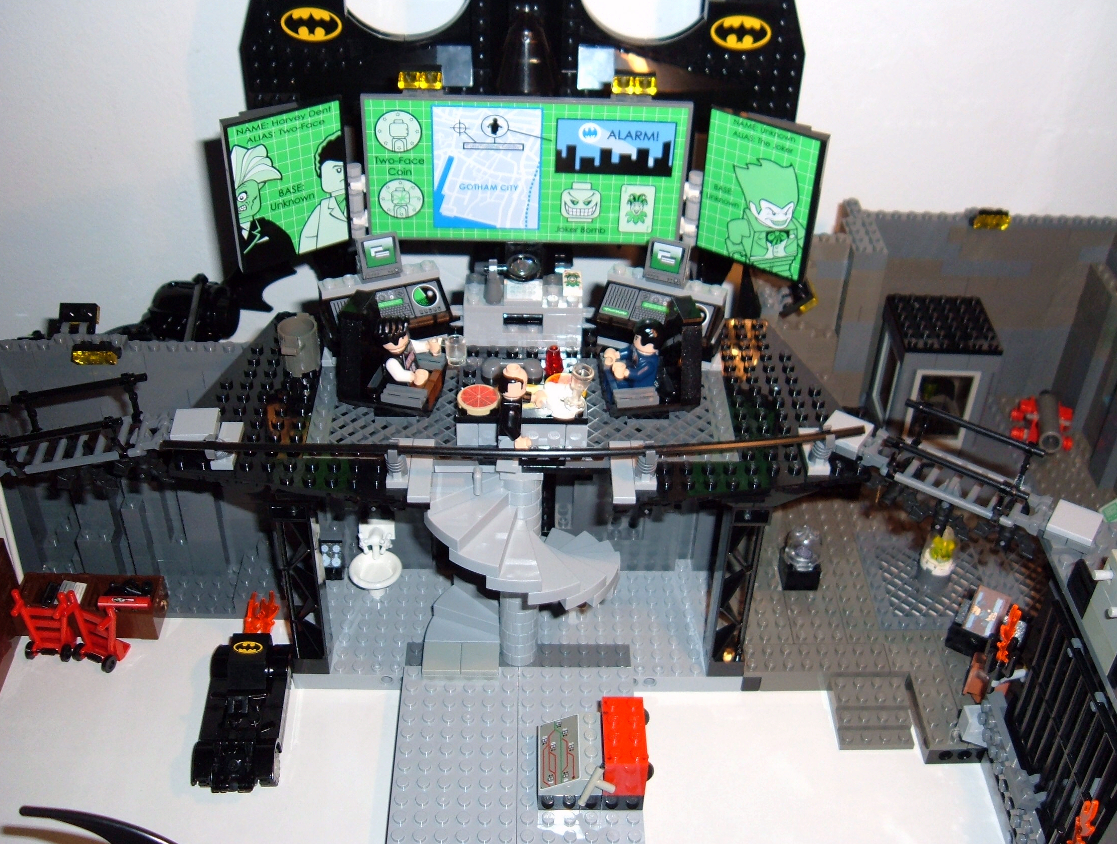 batcave-layout3.jpg