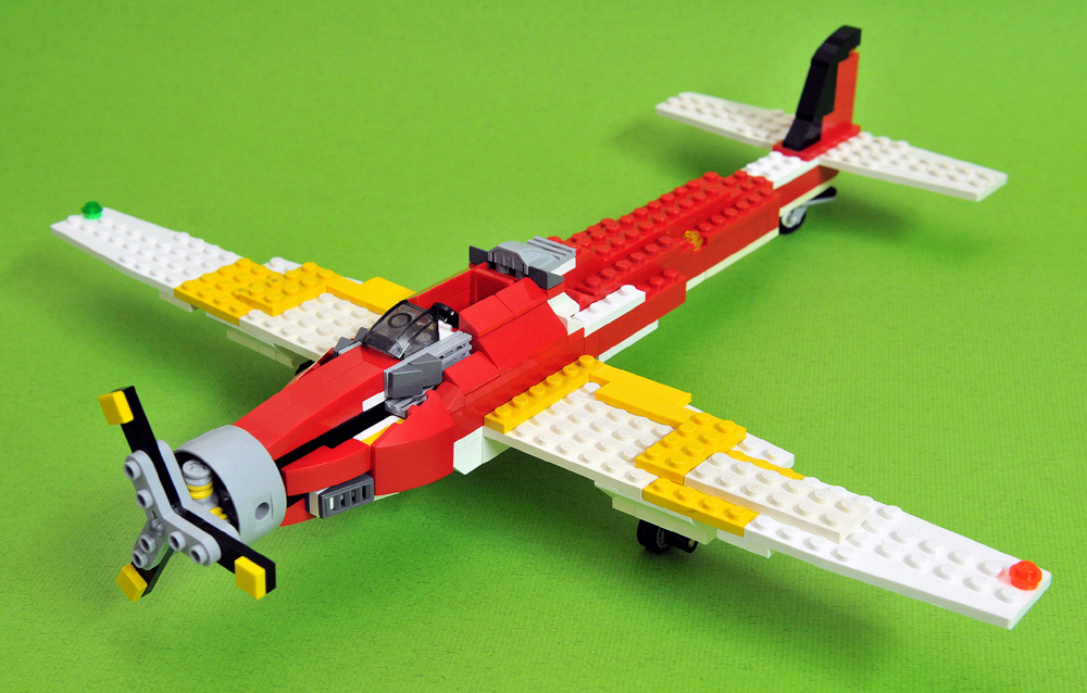 单座单引擎螺旋桨战机