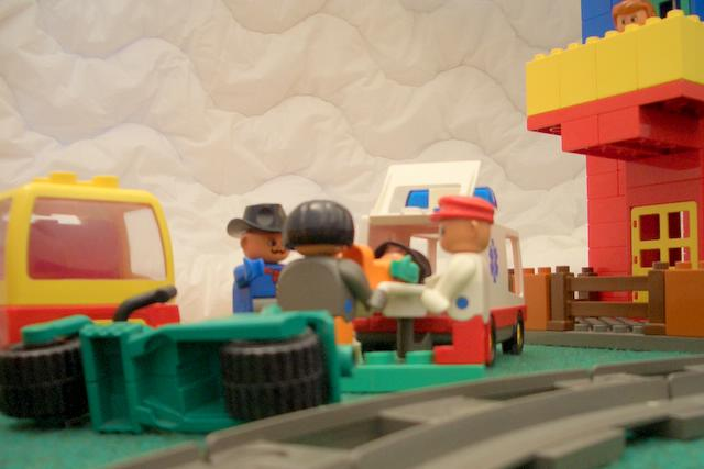 duplo-town-movie-36-accident.jpg