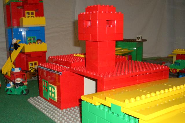 duplo-town-t17-fire-station.jpg