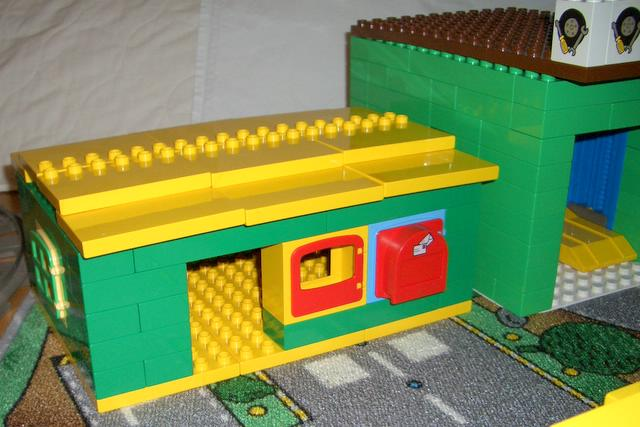 duplo-town-t41-post-office.jpg