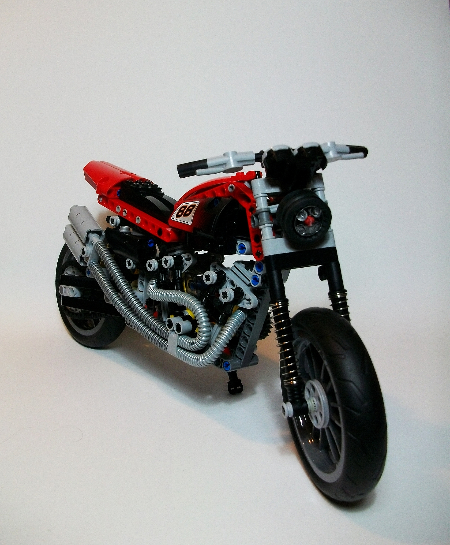 lego technic motorcycles harley davidson xr 1200 by. Black Bedroom Furniture Sets. Home Design Ideas