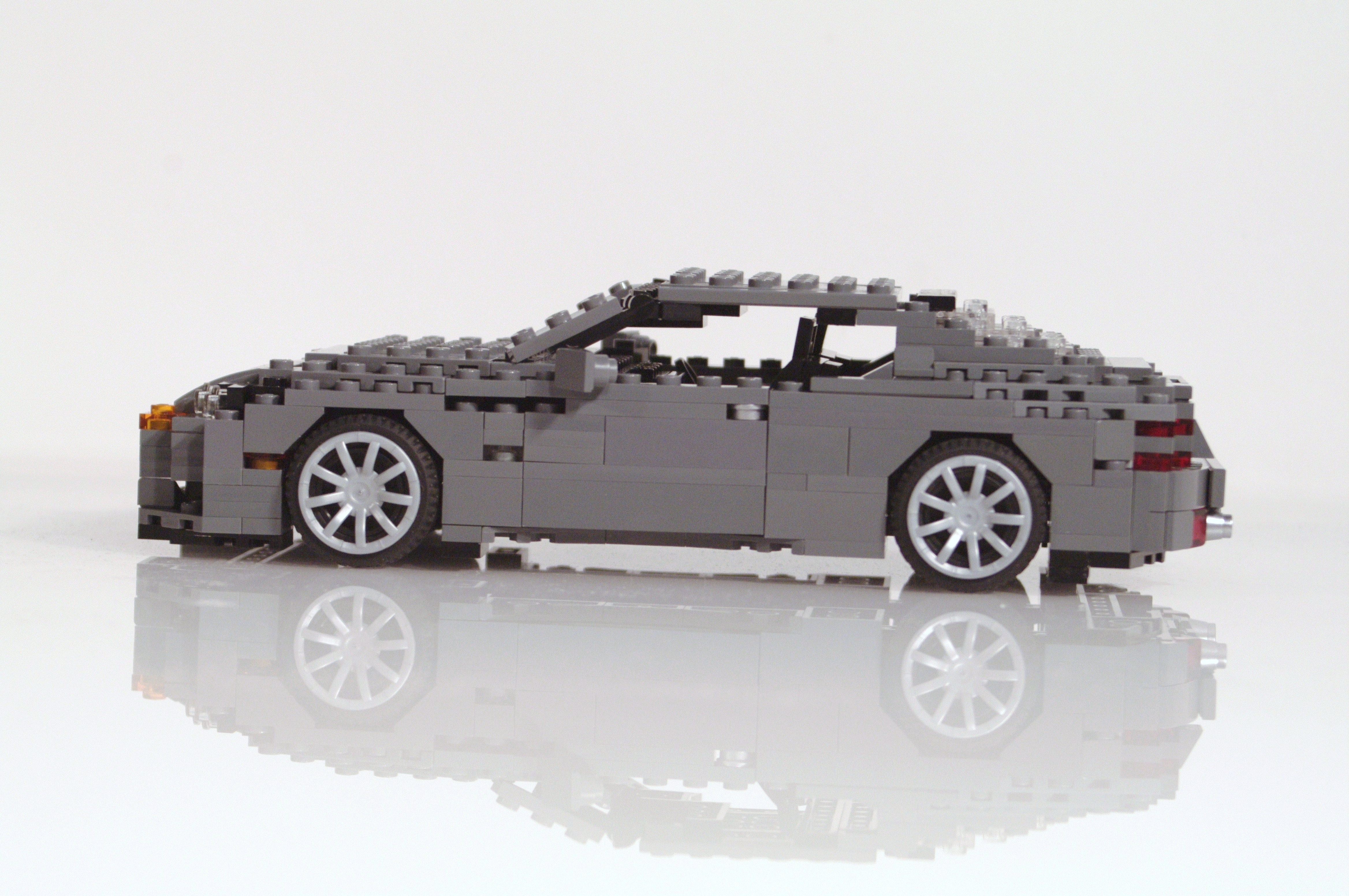 aston_martin_db9_coupe_00z.jpg