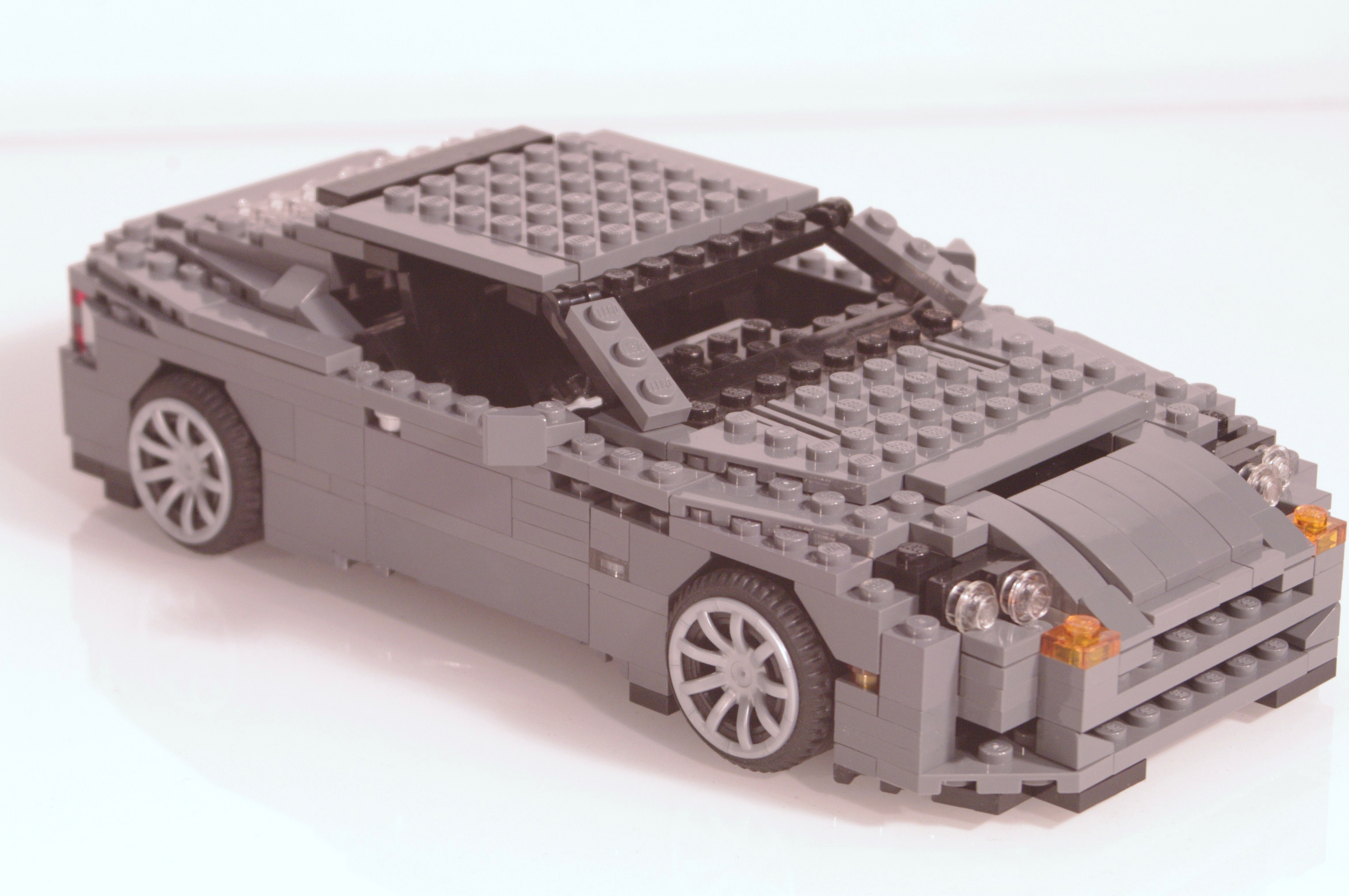 aston_martin_db9_coupe_02.jpg