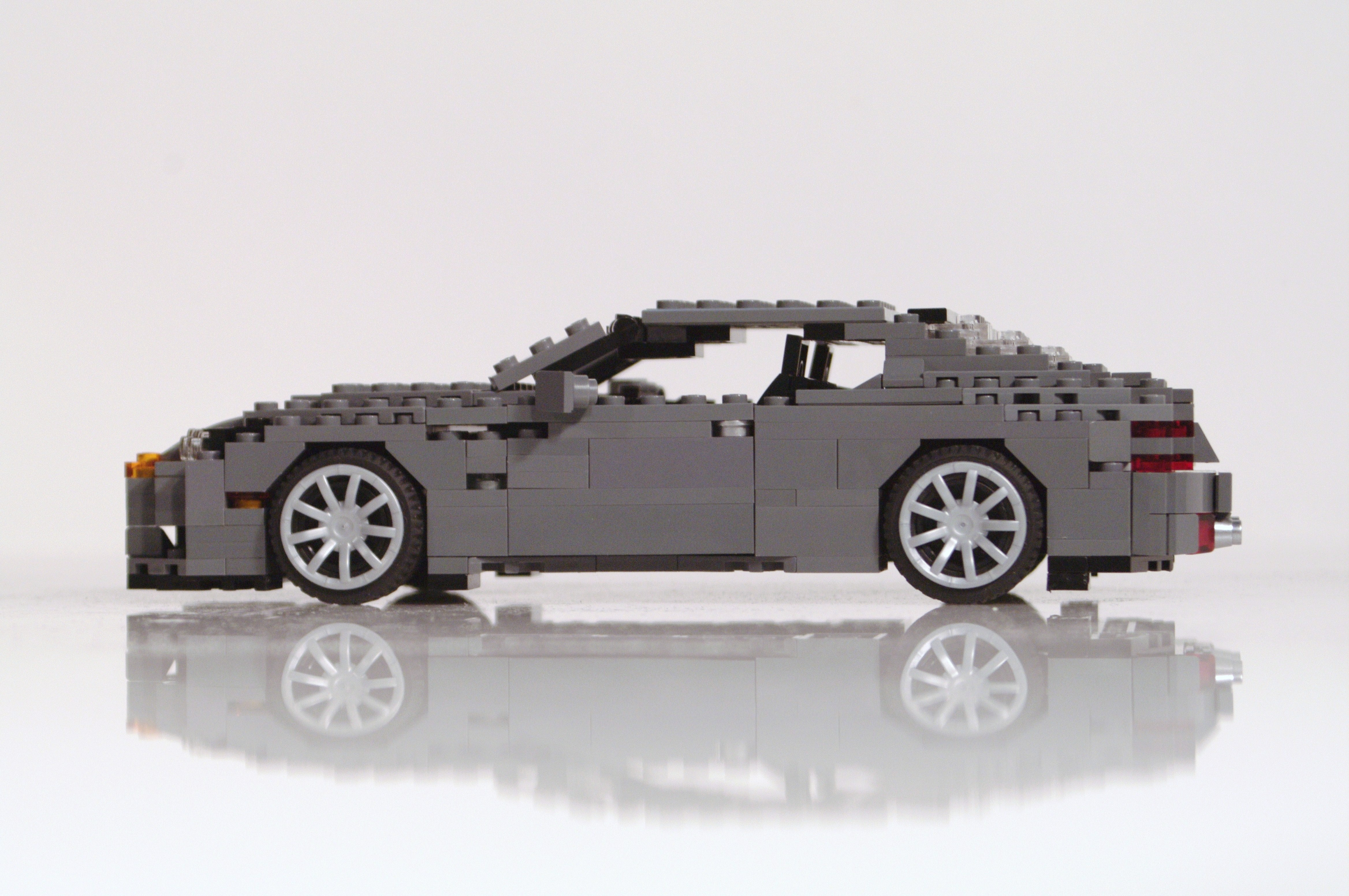 aston_martin_db9_coupe_04.jpg