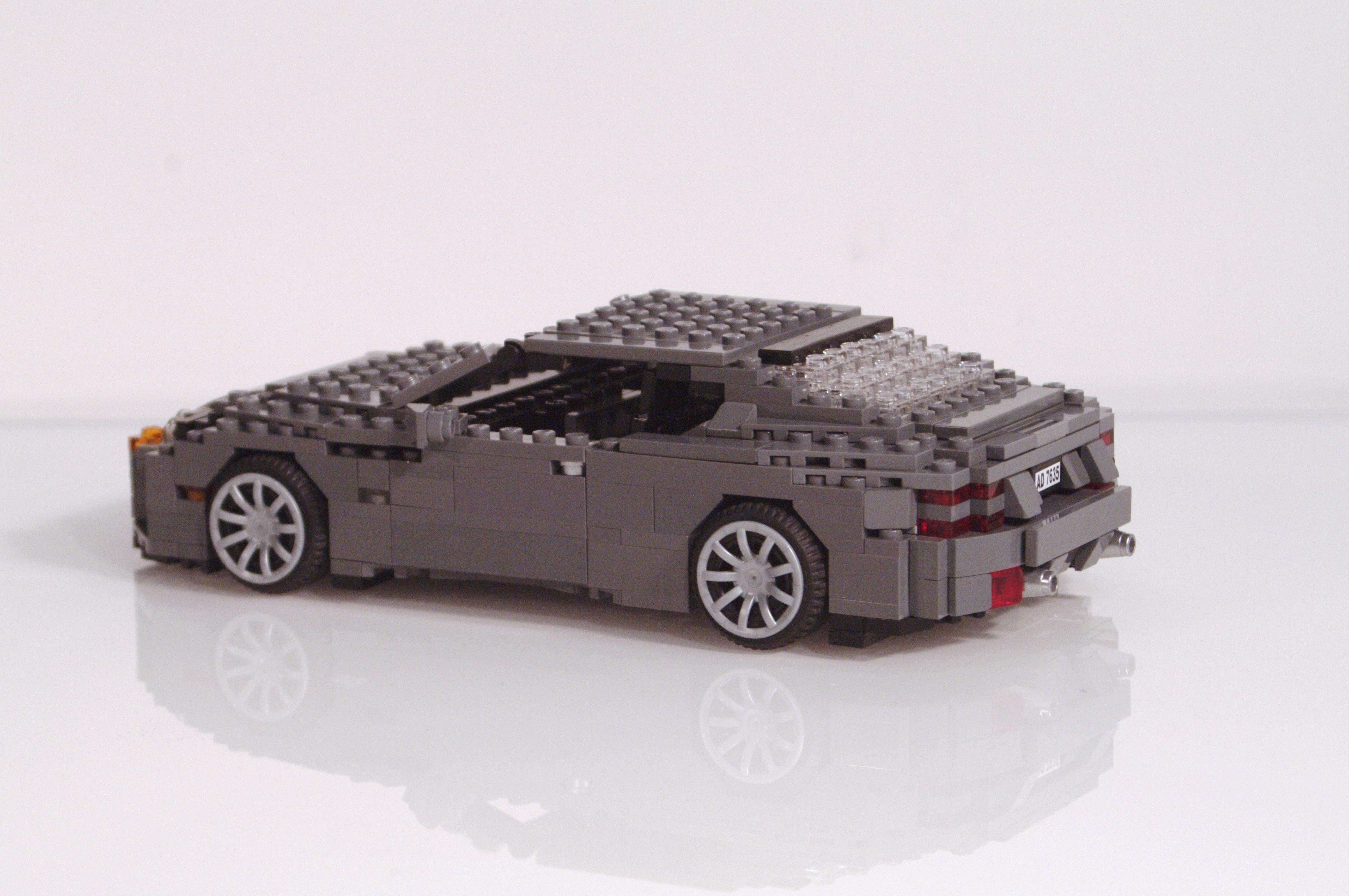 aston_martin_db9_coupe_06.jpg
