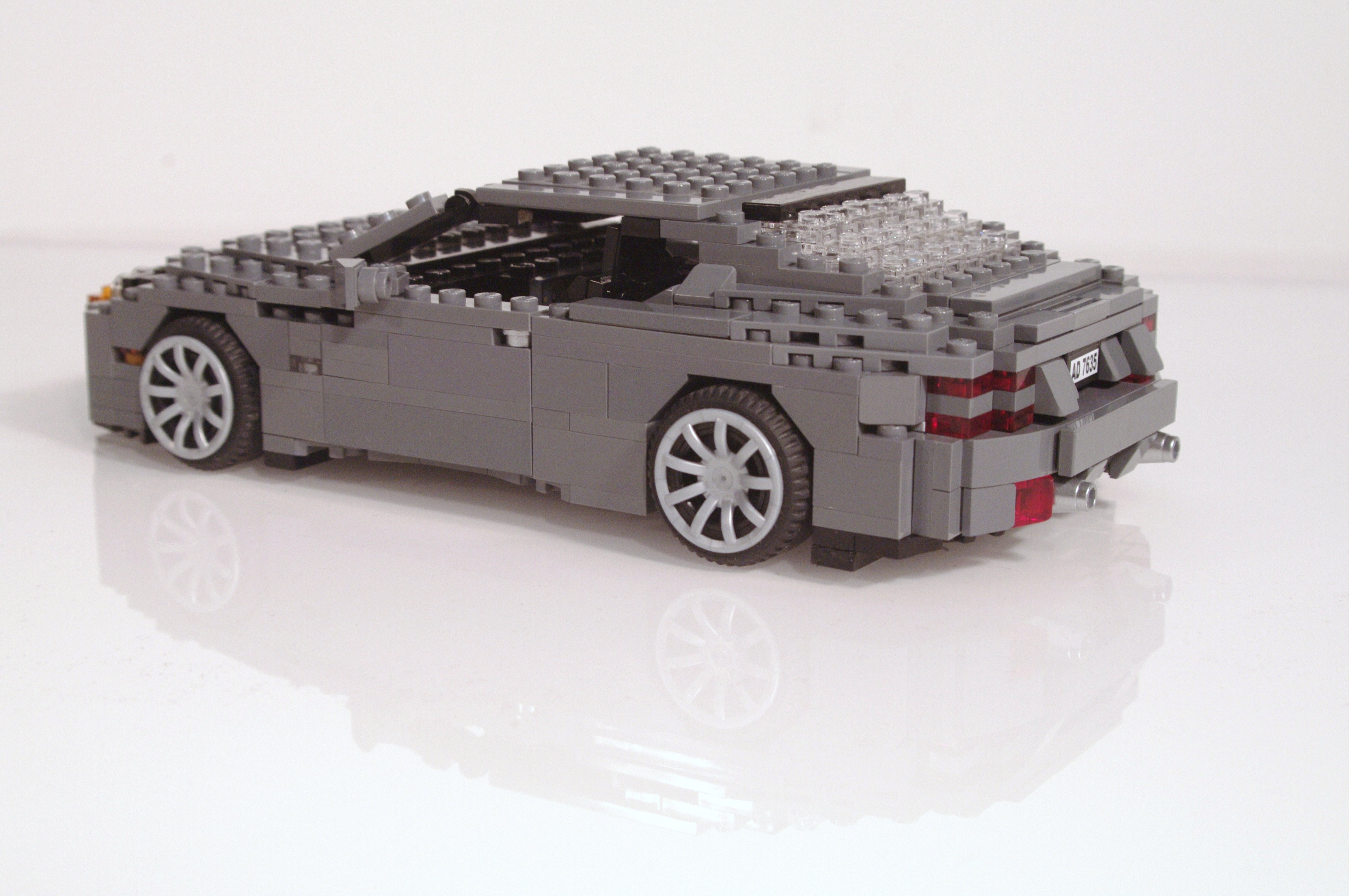aston_martin_db9_coupe_10.jpg