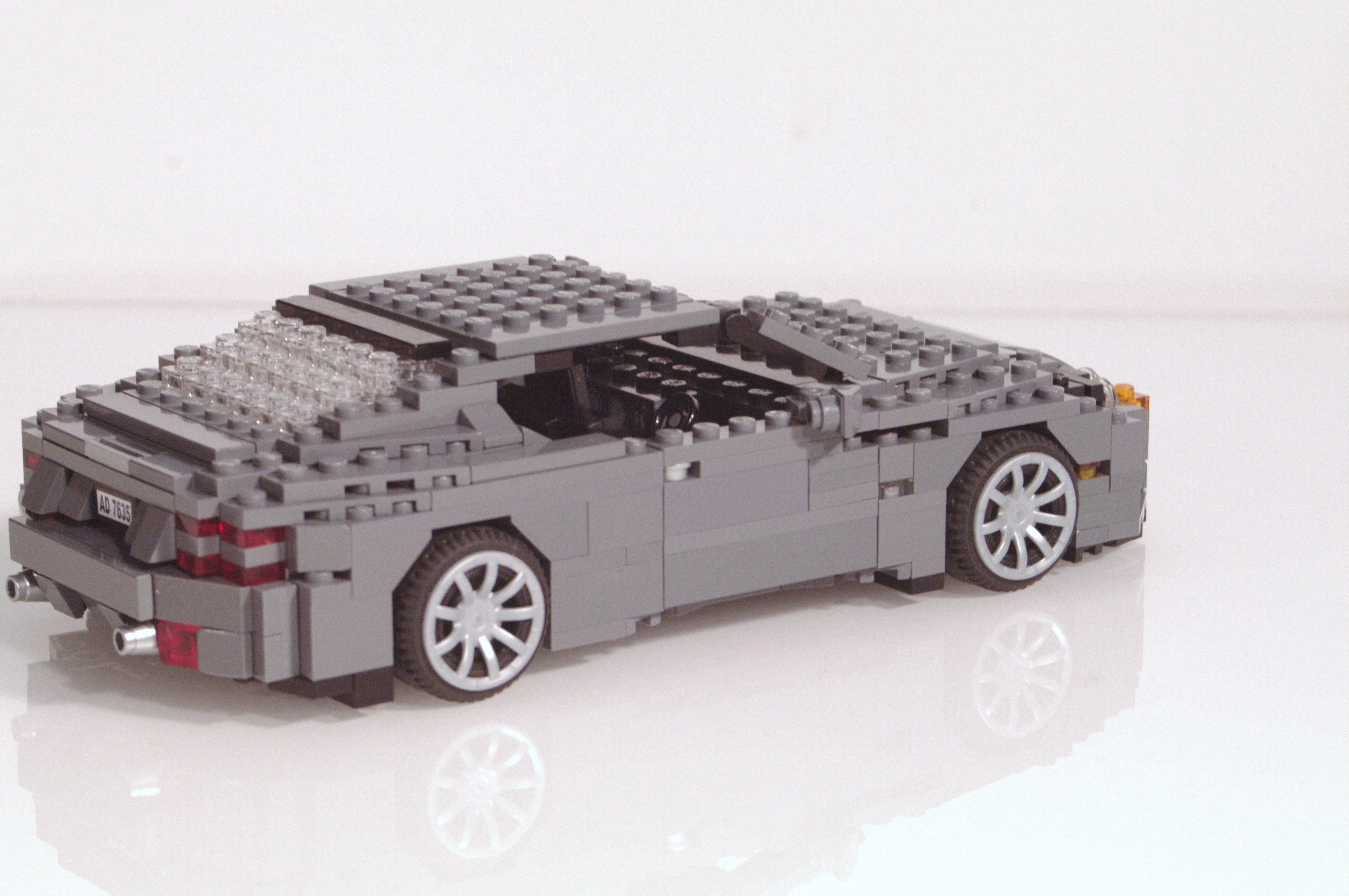 aston_martin_db9_coupe_13.jpg