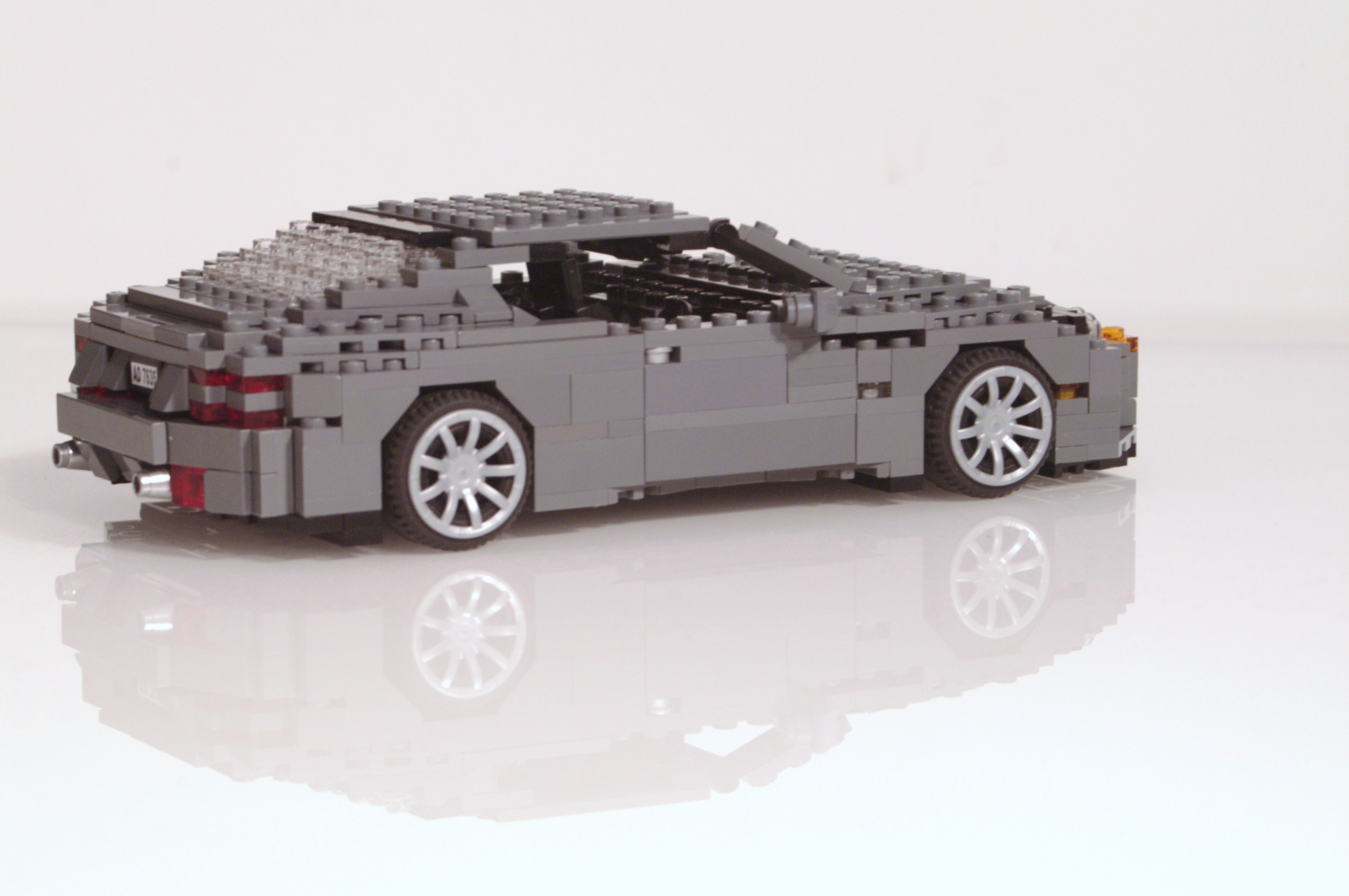 aston_martin_db9_coupe_14.jpg