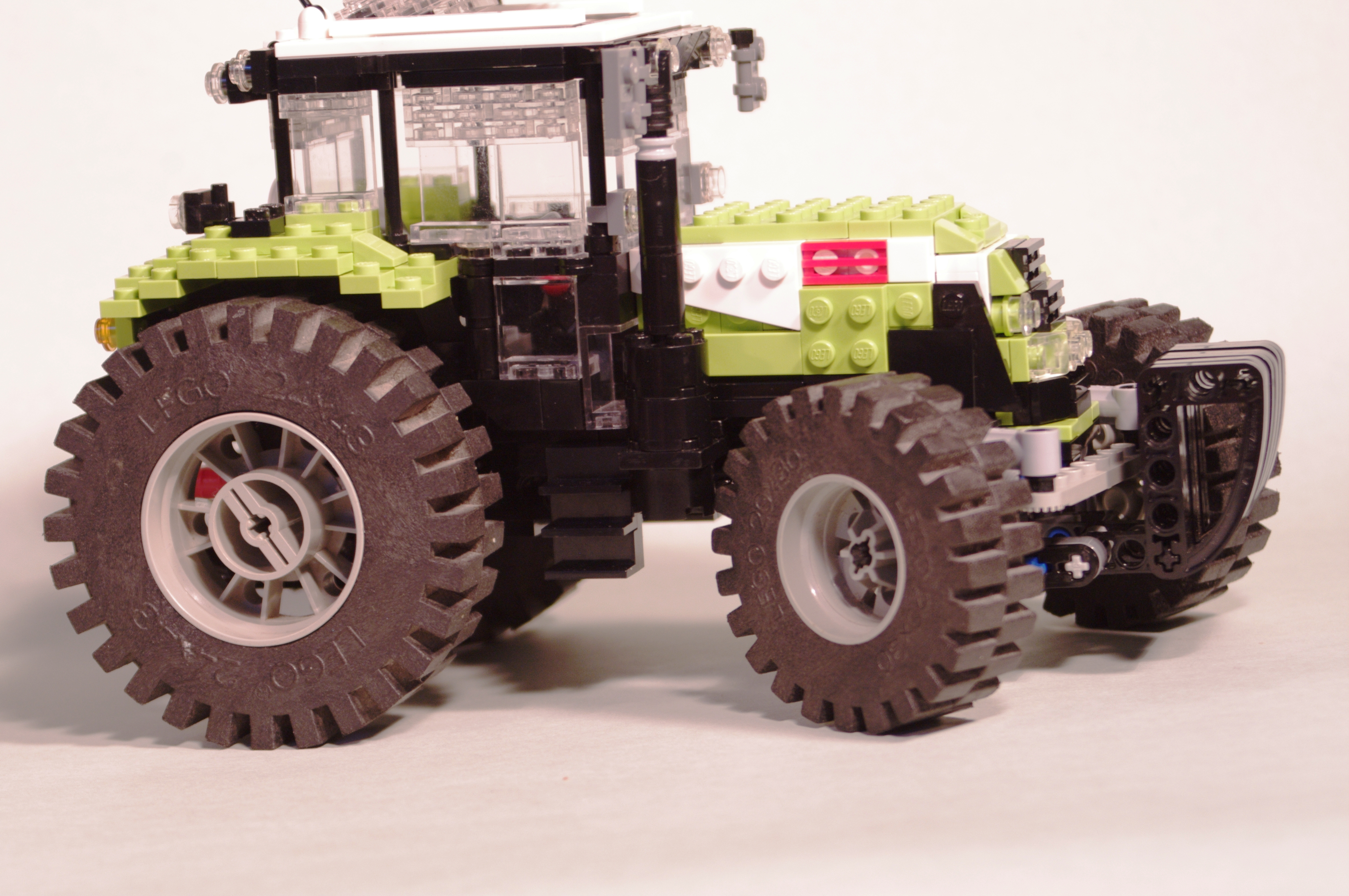 claas_arion_600_brick_16.jpg