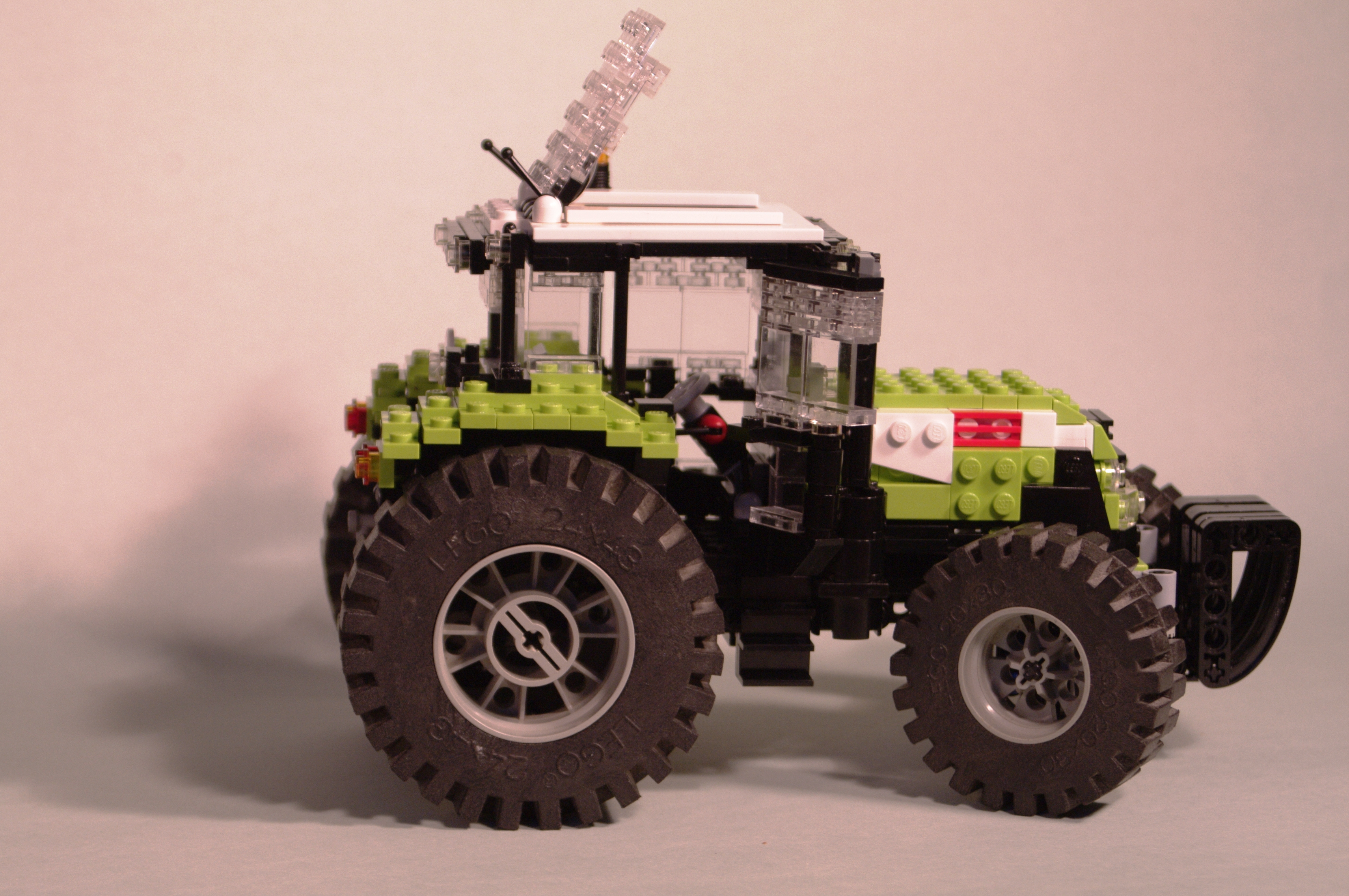 claas_arion_600_brick_19.jpg