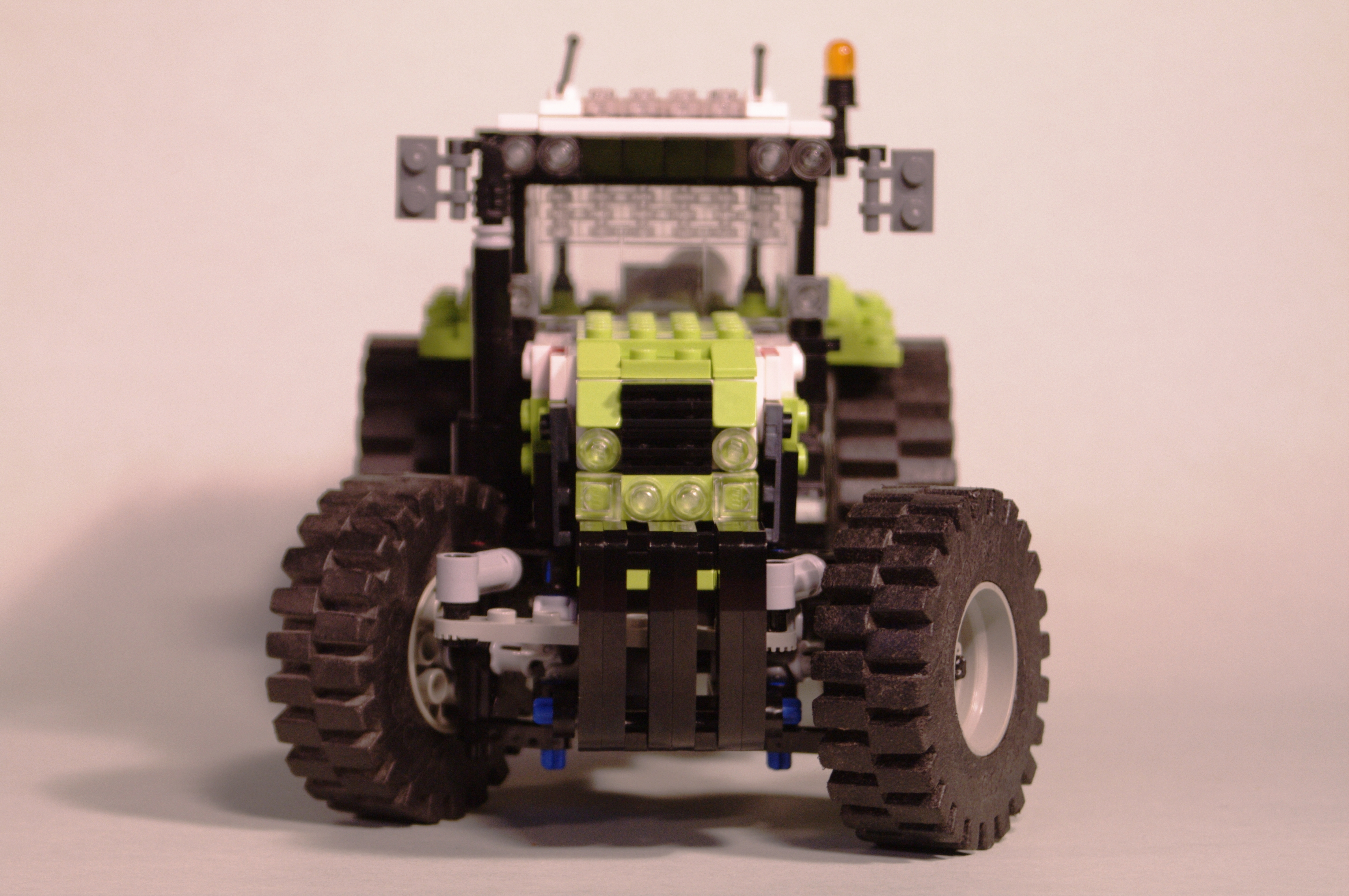 claas_arion_600_brick_22.jpg