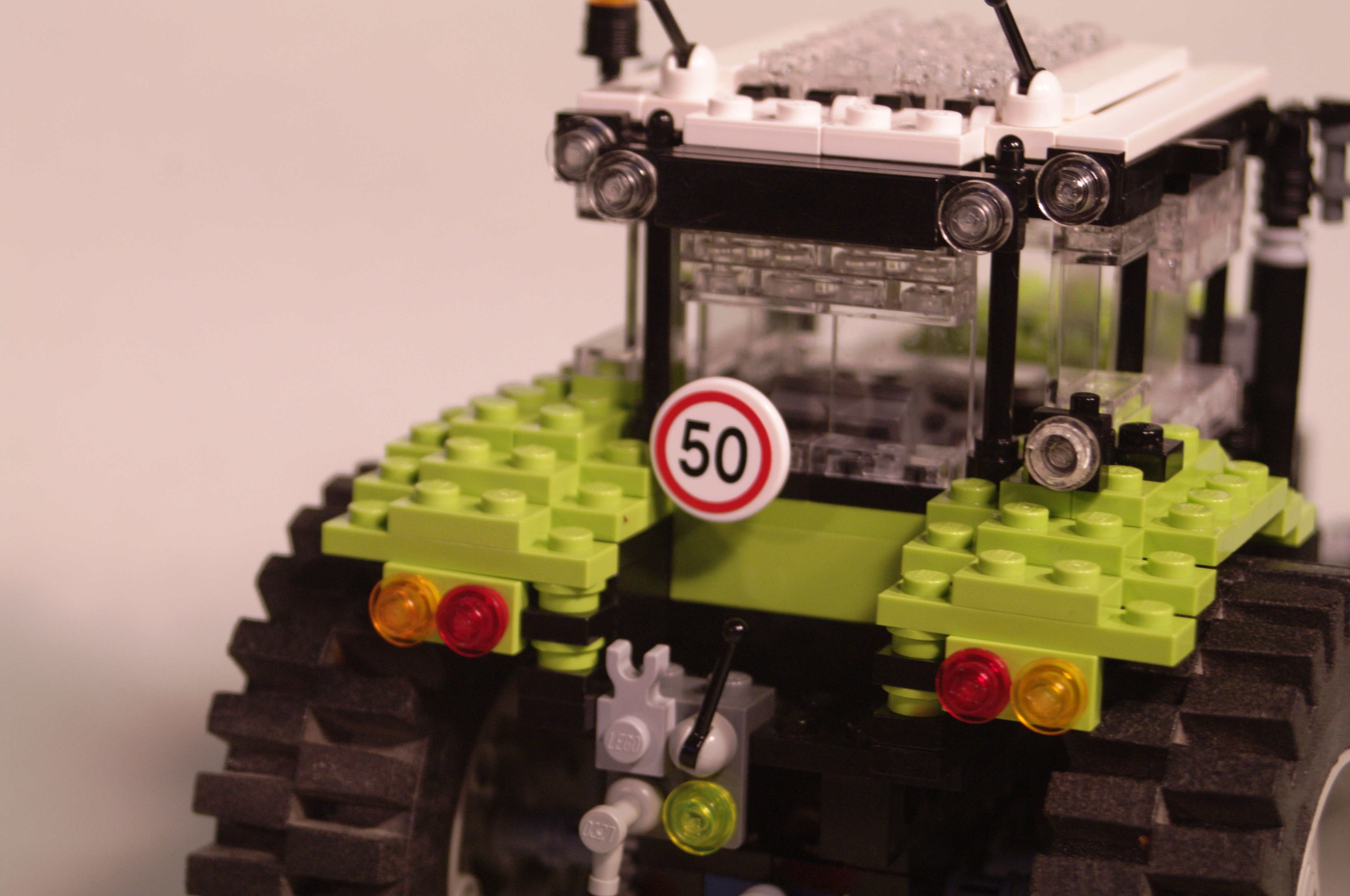 claas_arion_600_brick_27.jpg