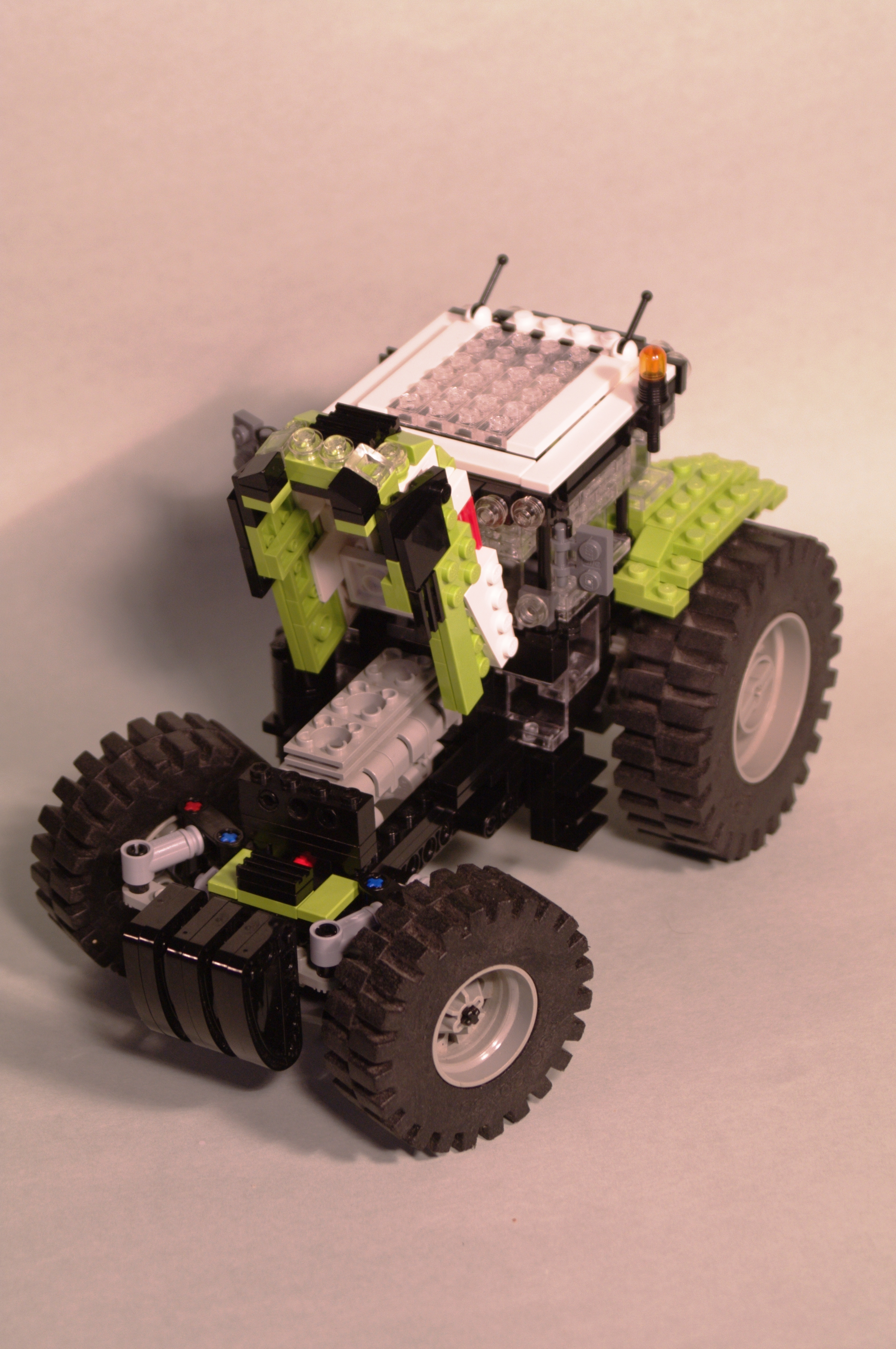 claas_arion_600_brick_38.jpg