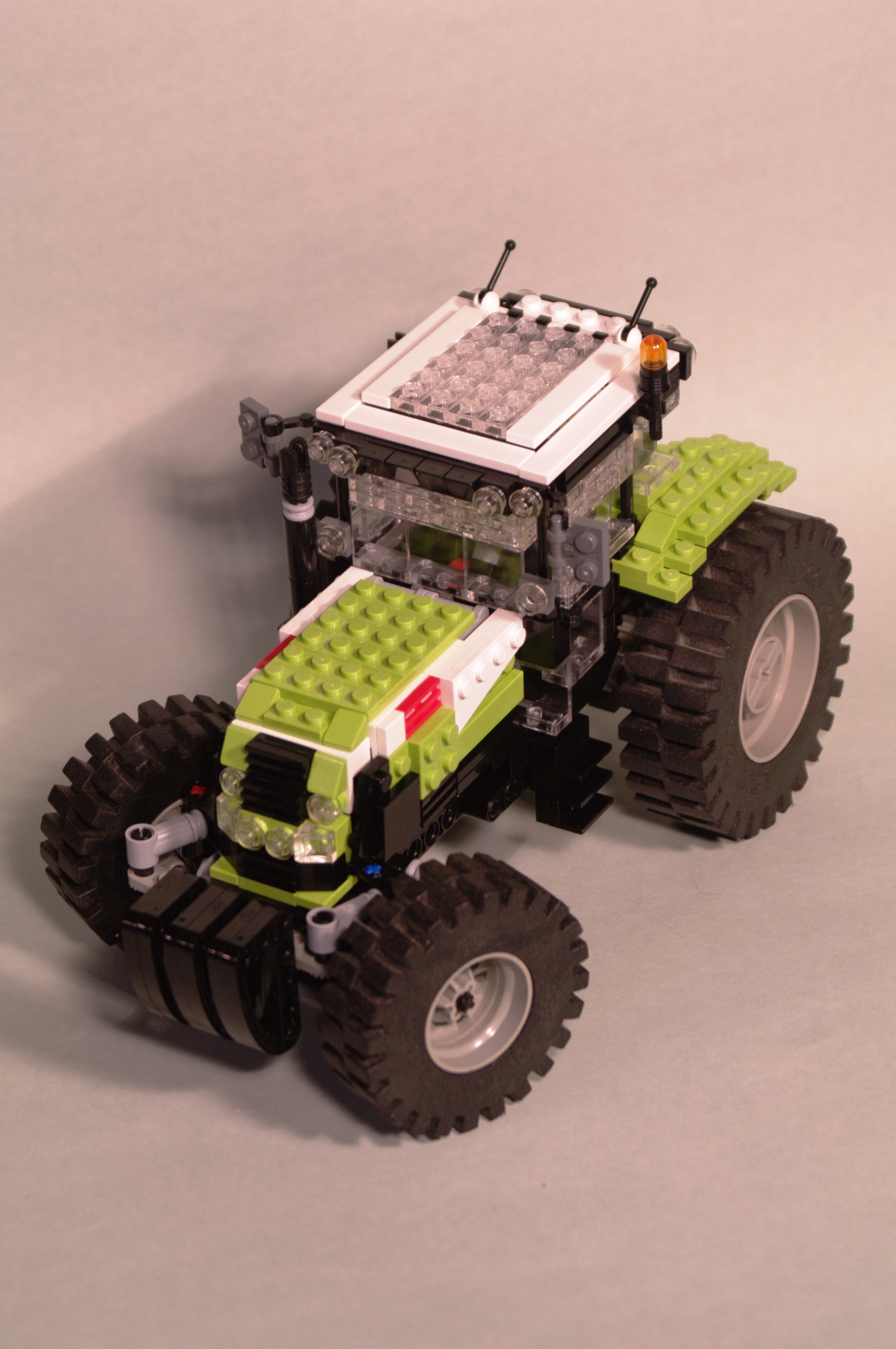 claas_arion_600_brick_39.jpg