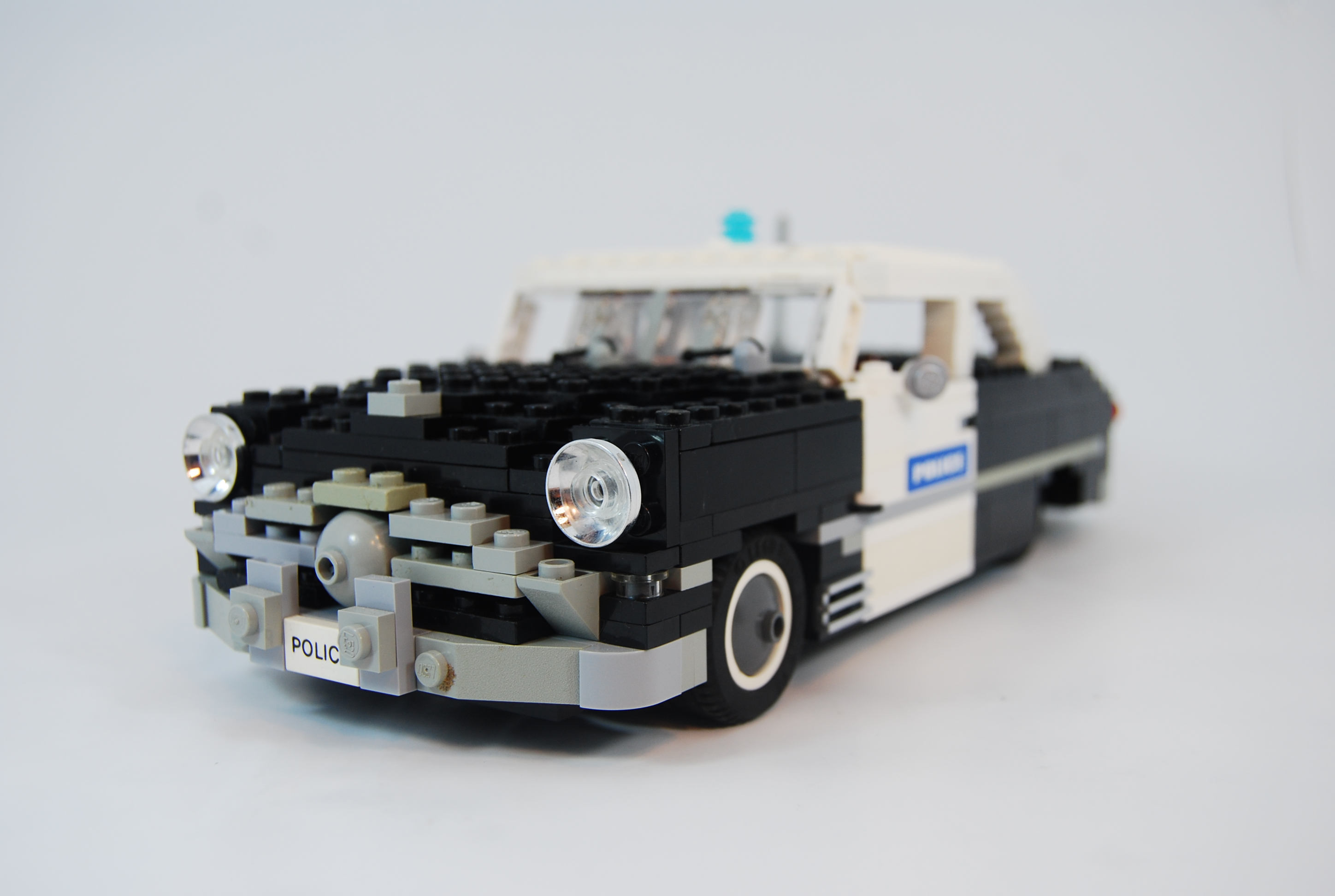1949_ford_tudor_police_unit_01.jpg