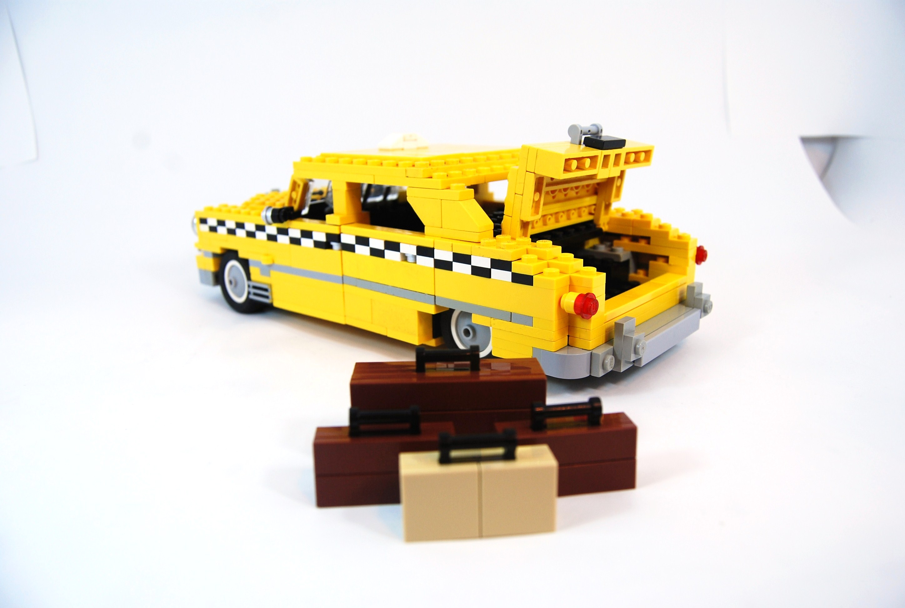 1949_ford_fordor_taxi_with_luggage_04.jpg