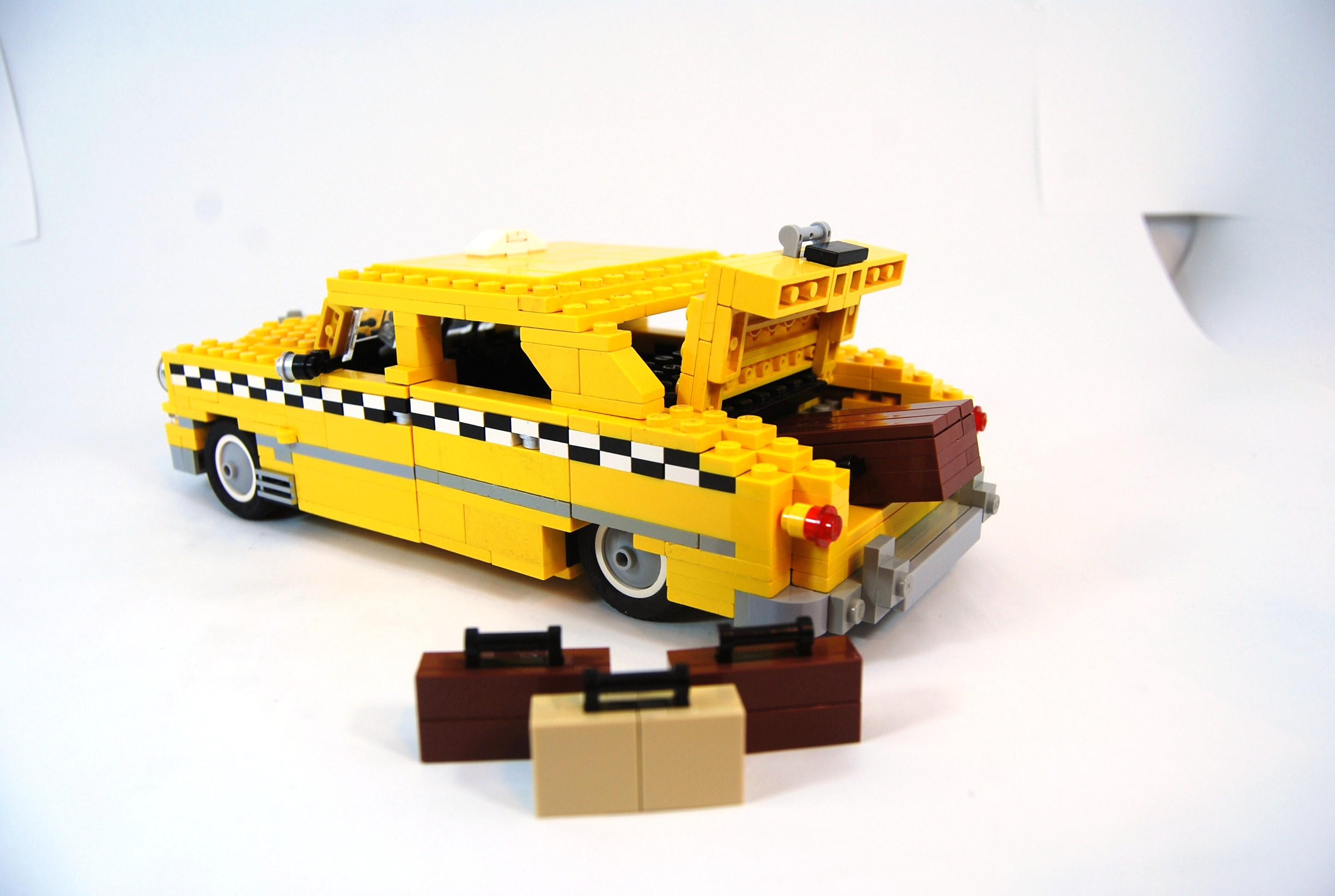 1949_ford_fordor_taxi_with_luggage_05.jpg