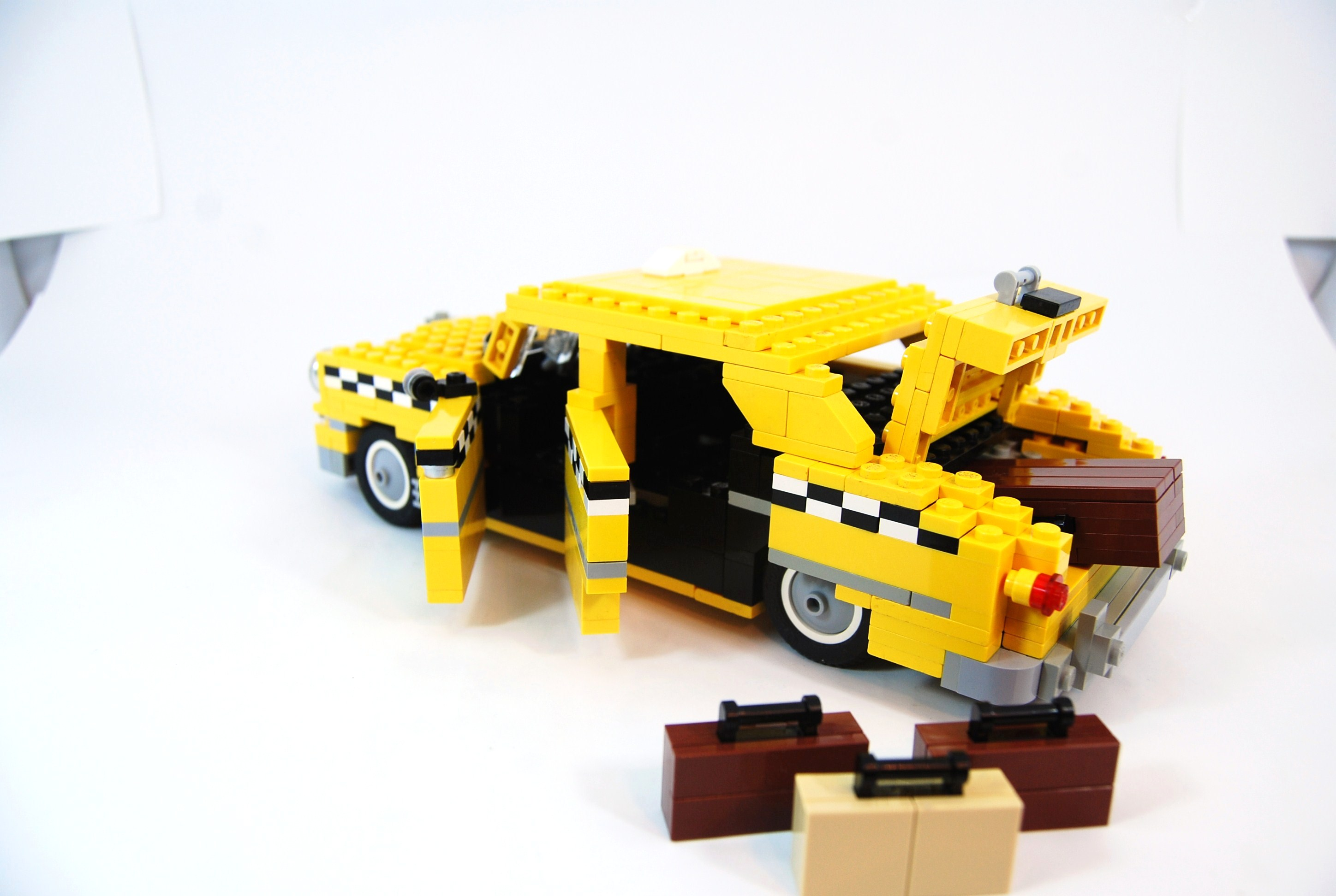 1949_ford_fordor_taxi_with_luggage_06.jpg