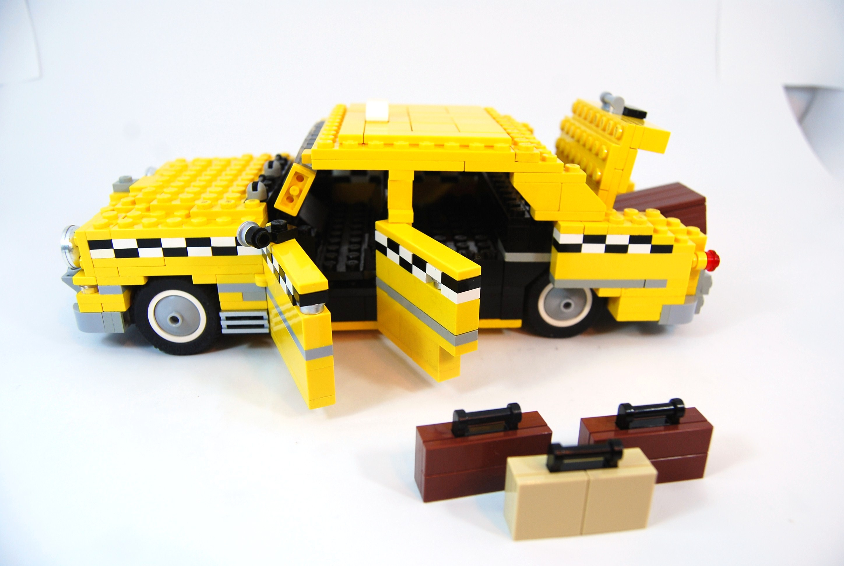 1949_ford_fordor_taxi_with_luggage_07.jpg