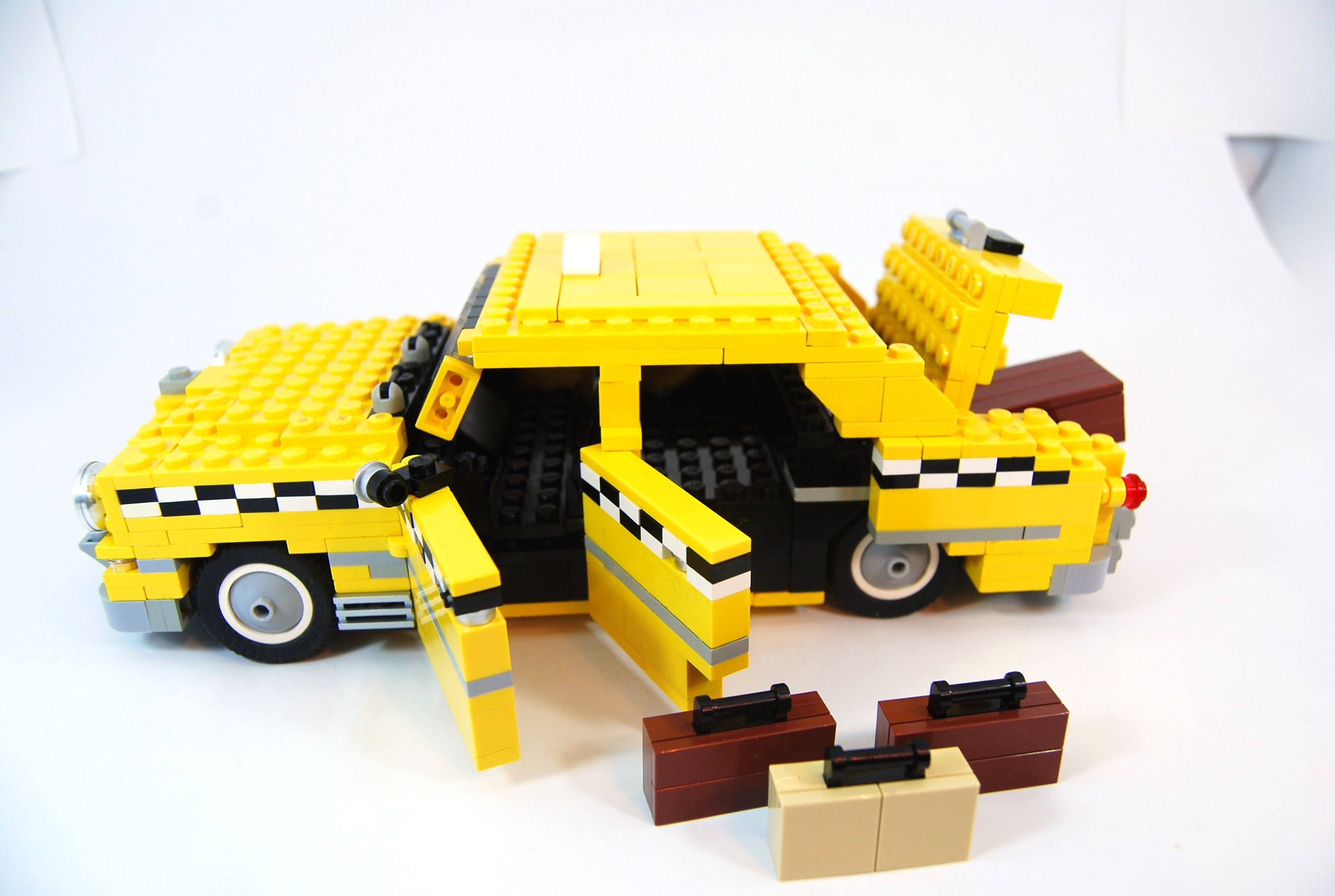 1949_ford_fordor_taxi_with_luggage_08.jpg