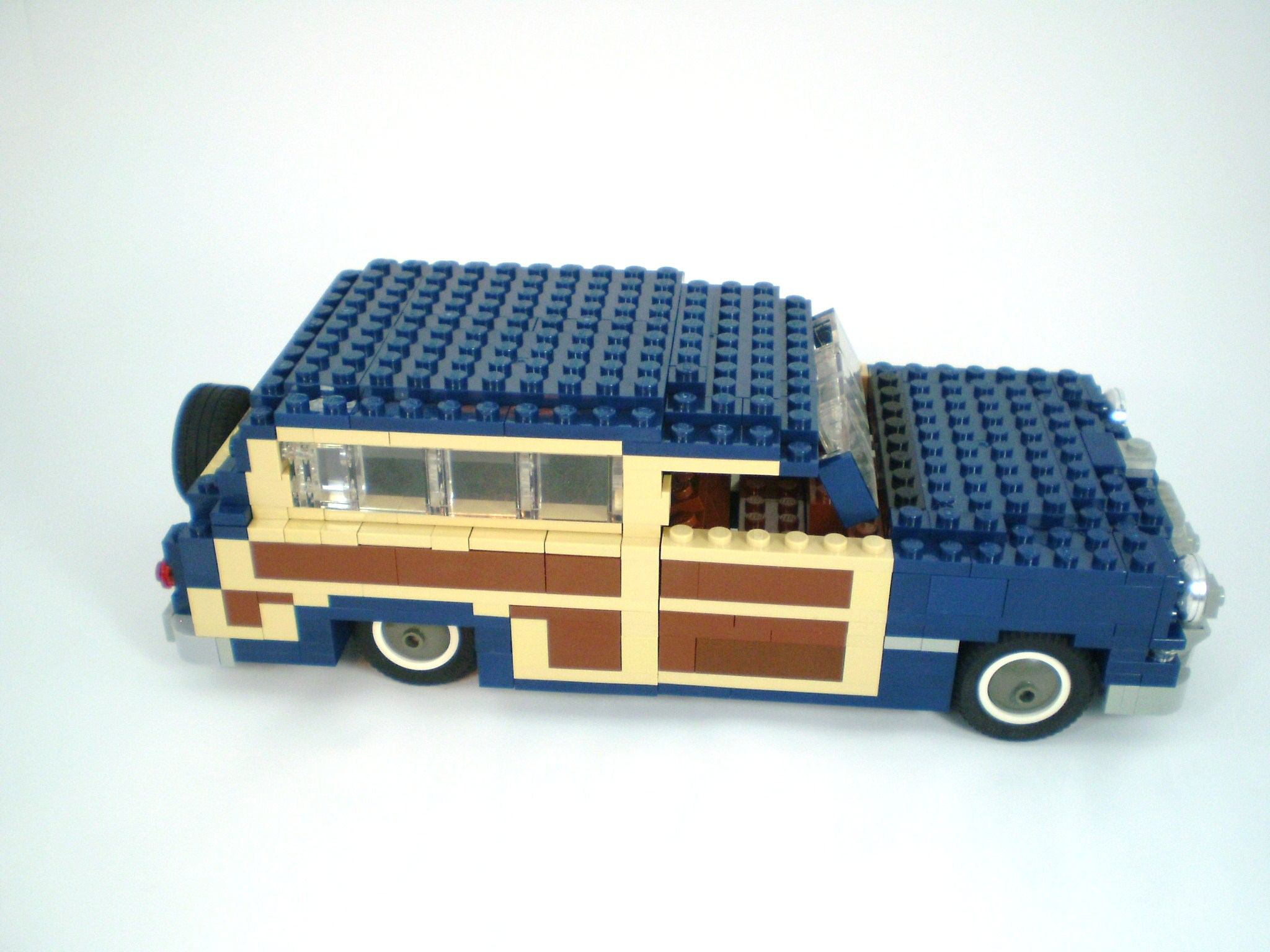 1949_ford_woody_wagon_10.jpg