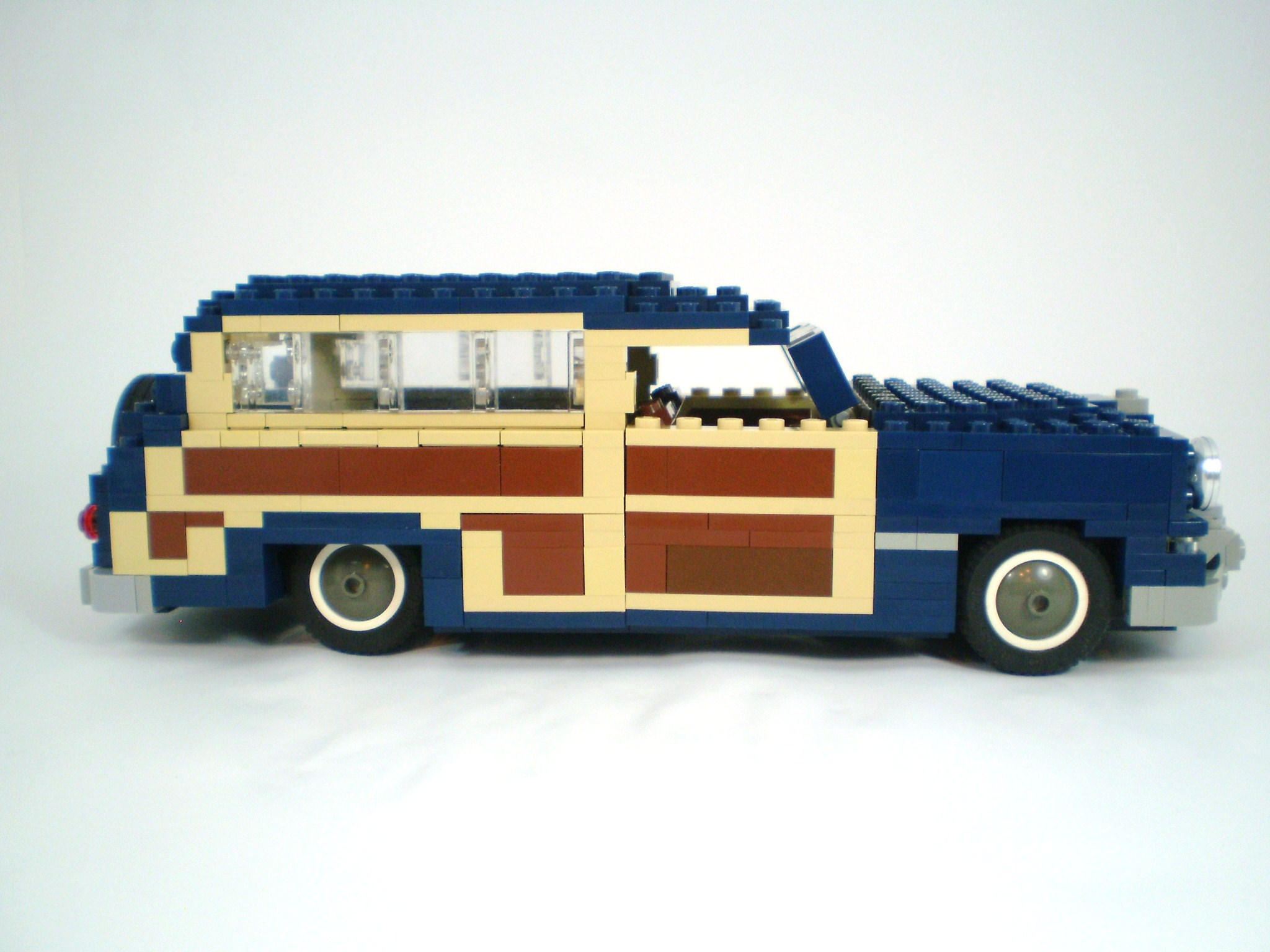 1949_ford_woody_wagon_11.jpg