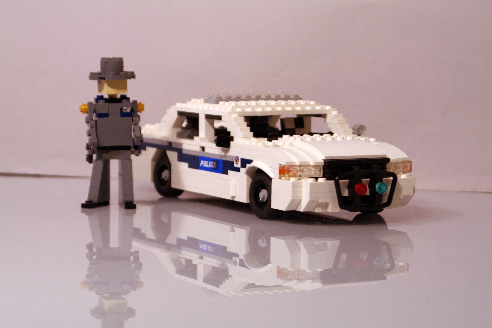 ford_crown_victoria_washington_police_07.jpg